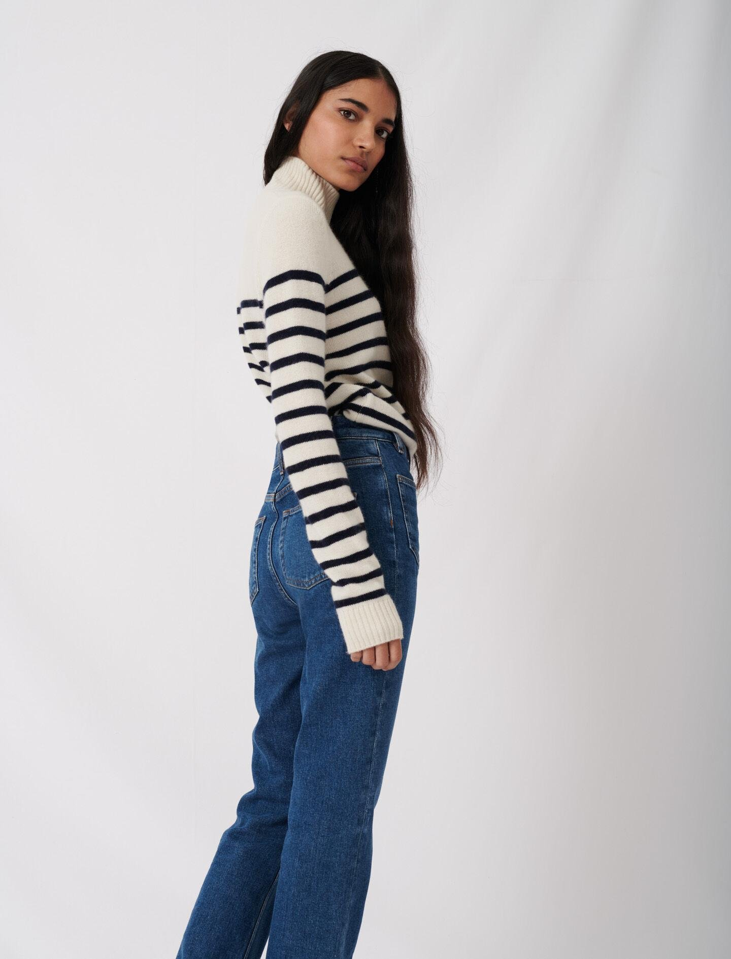 JEANS WITH POCKETS 3