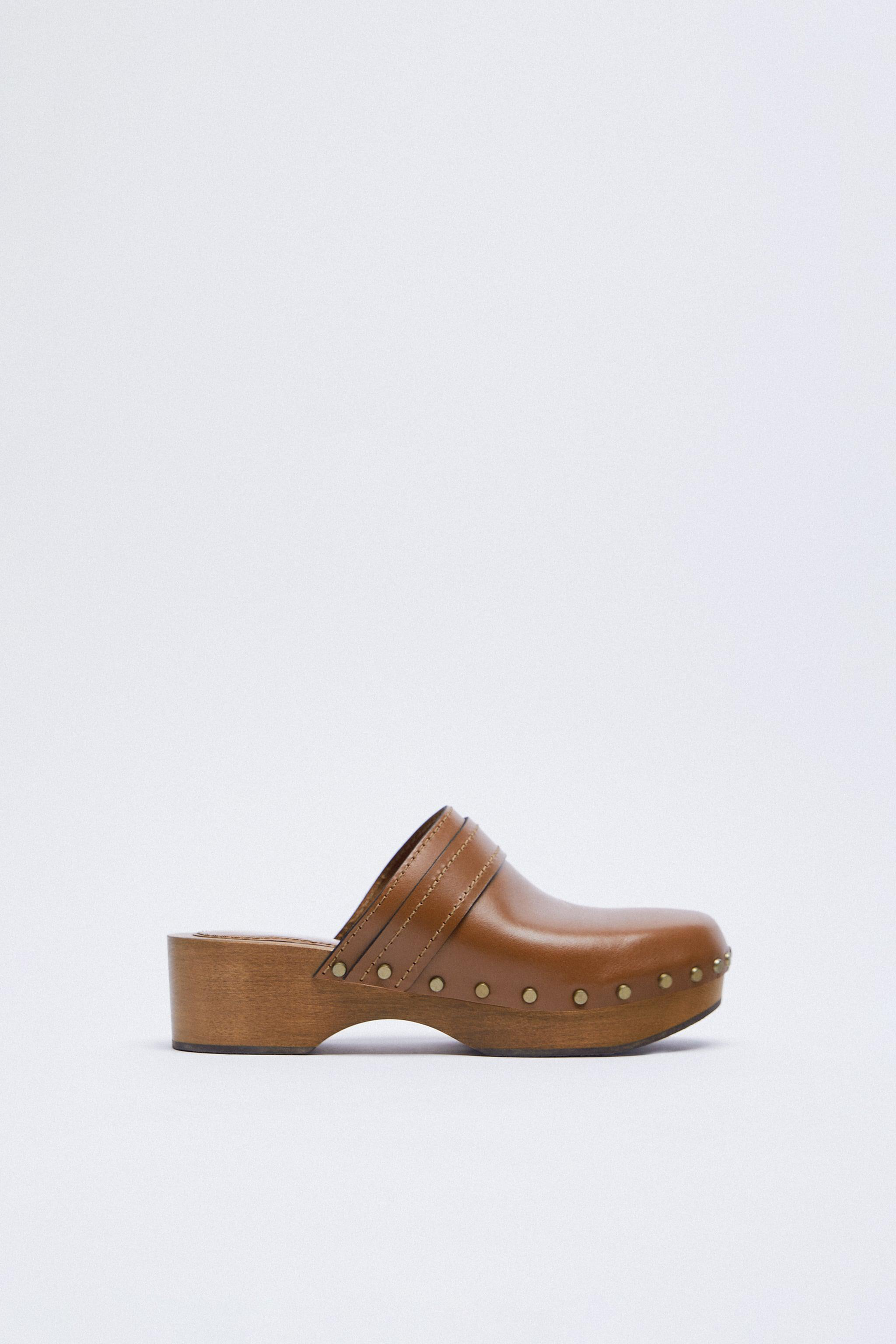 WOOD AND LEATHER CLOGS