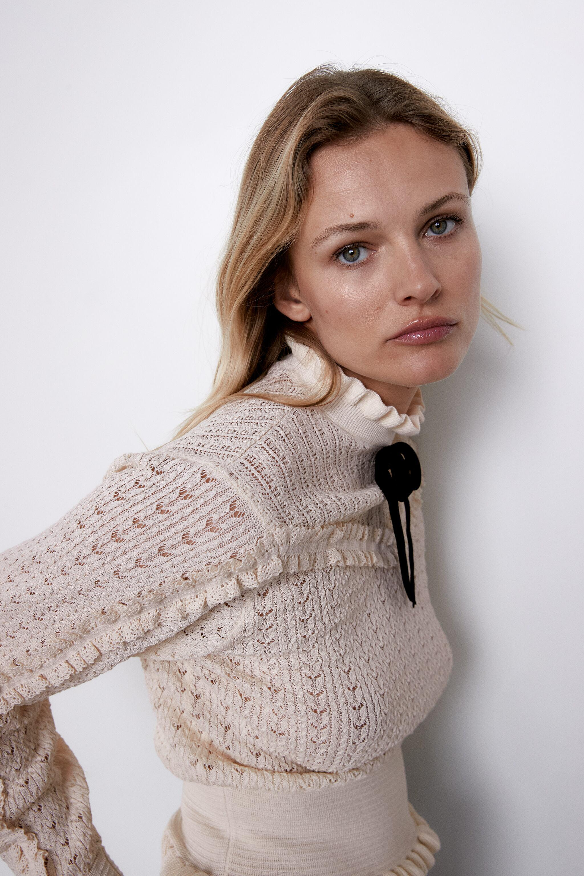TIED KNIT SWEATER 2