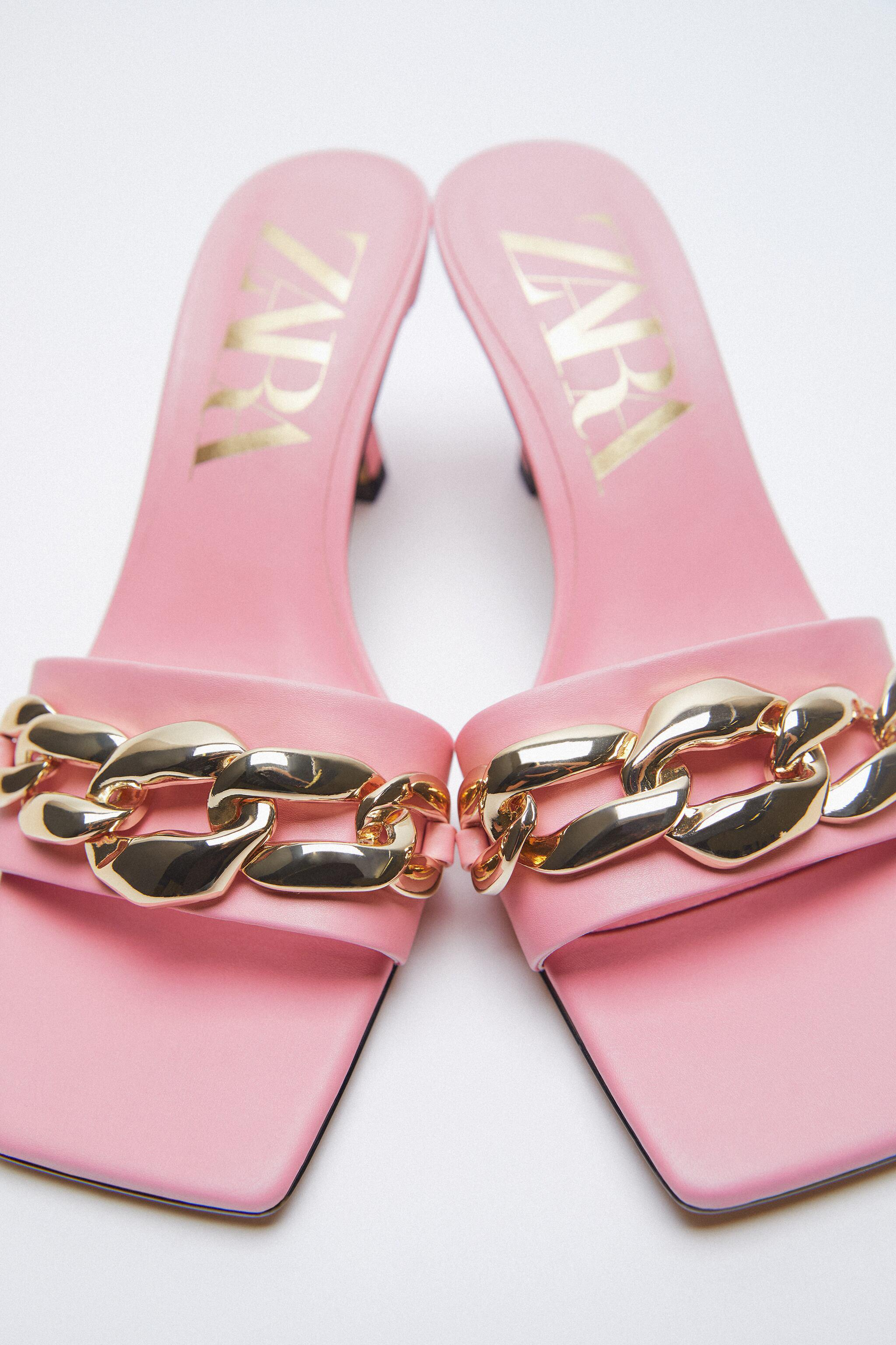 HIGH HEELED SANDALS WITH CHAIN 3