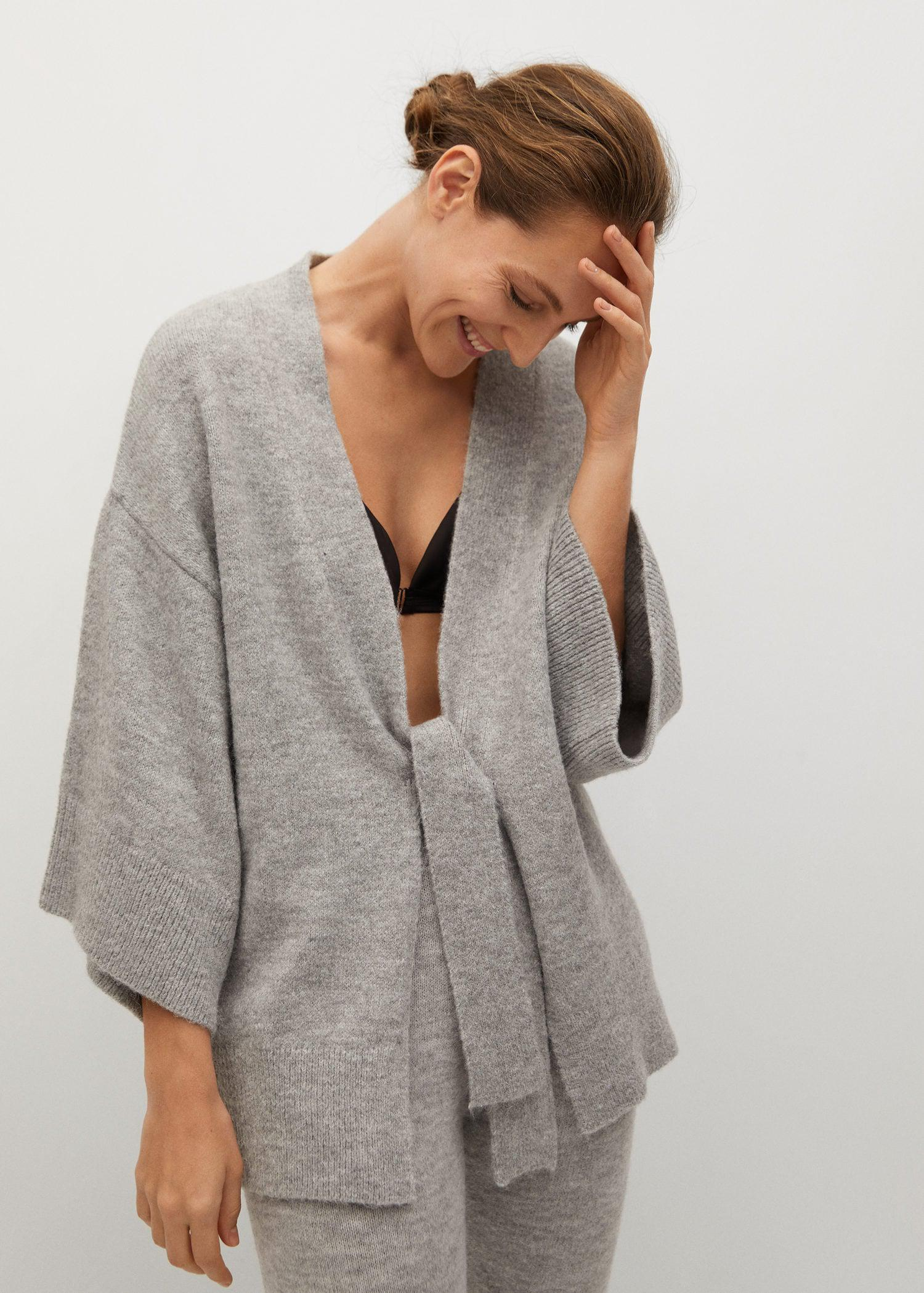 Knitted cardigan with belt