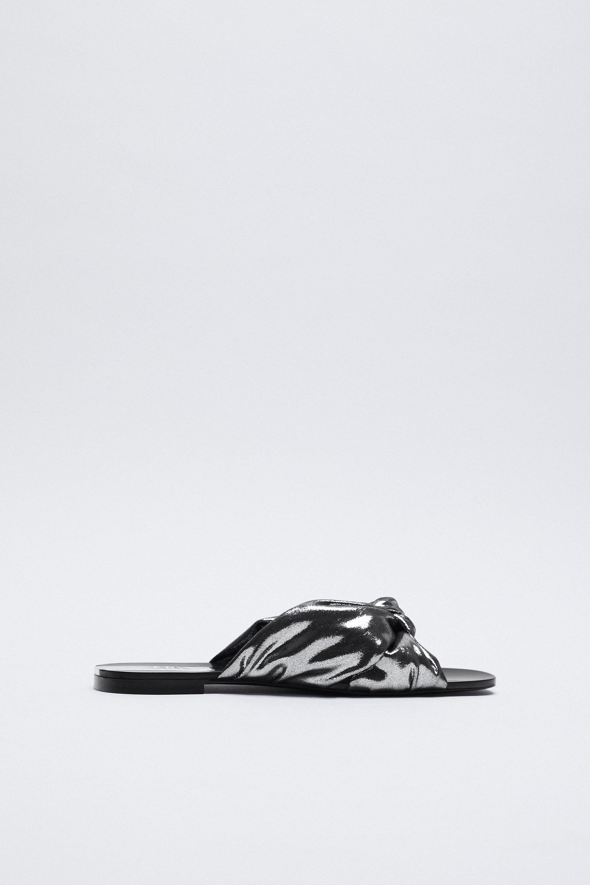 METALLIC SANDALS WITH KNOT