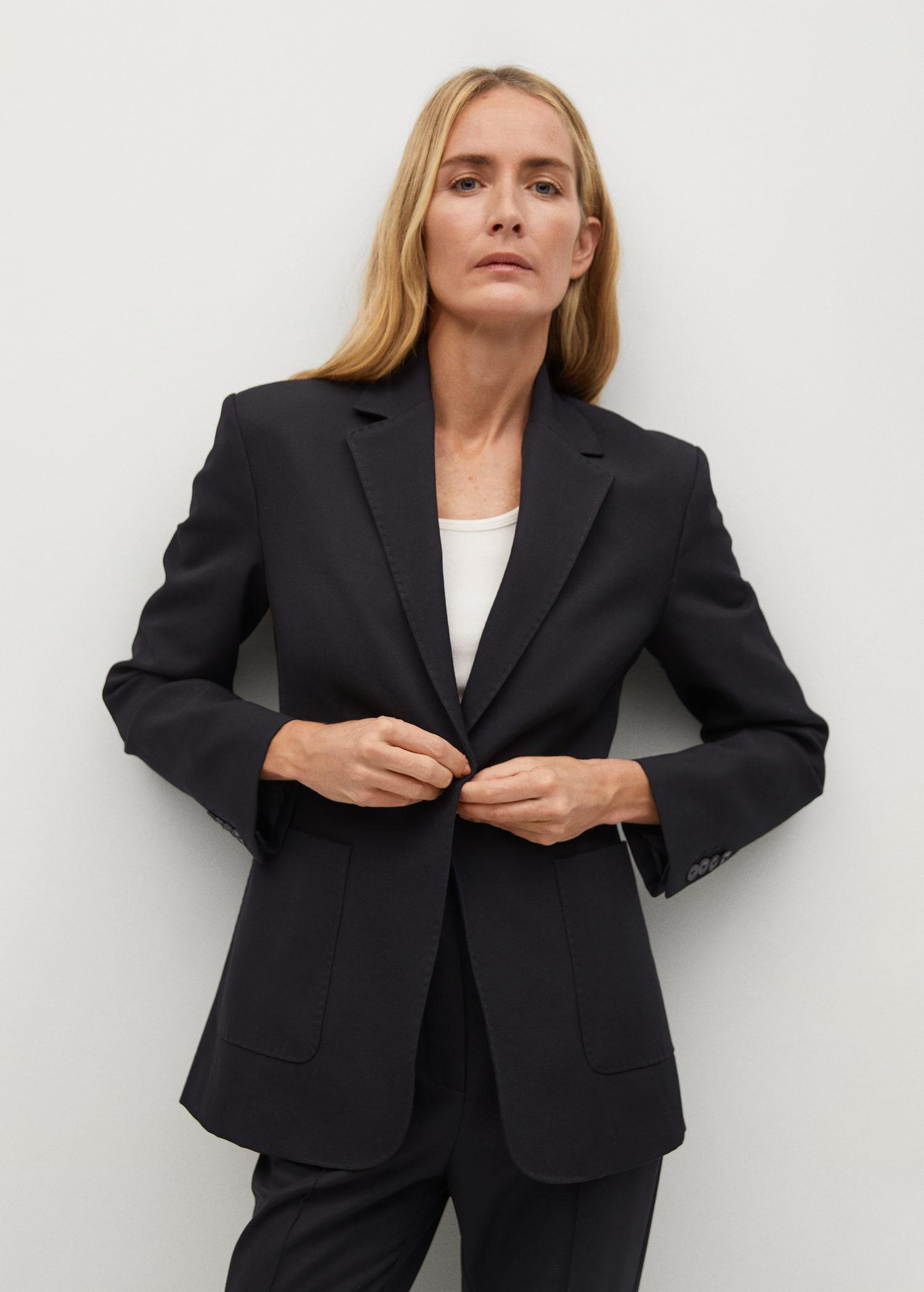 Fitted blazer with pocket
