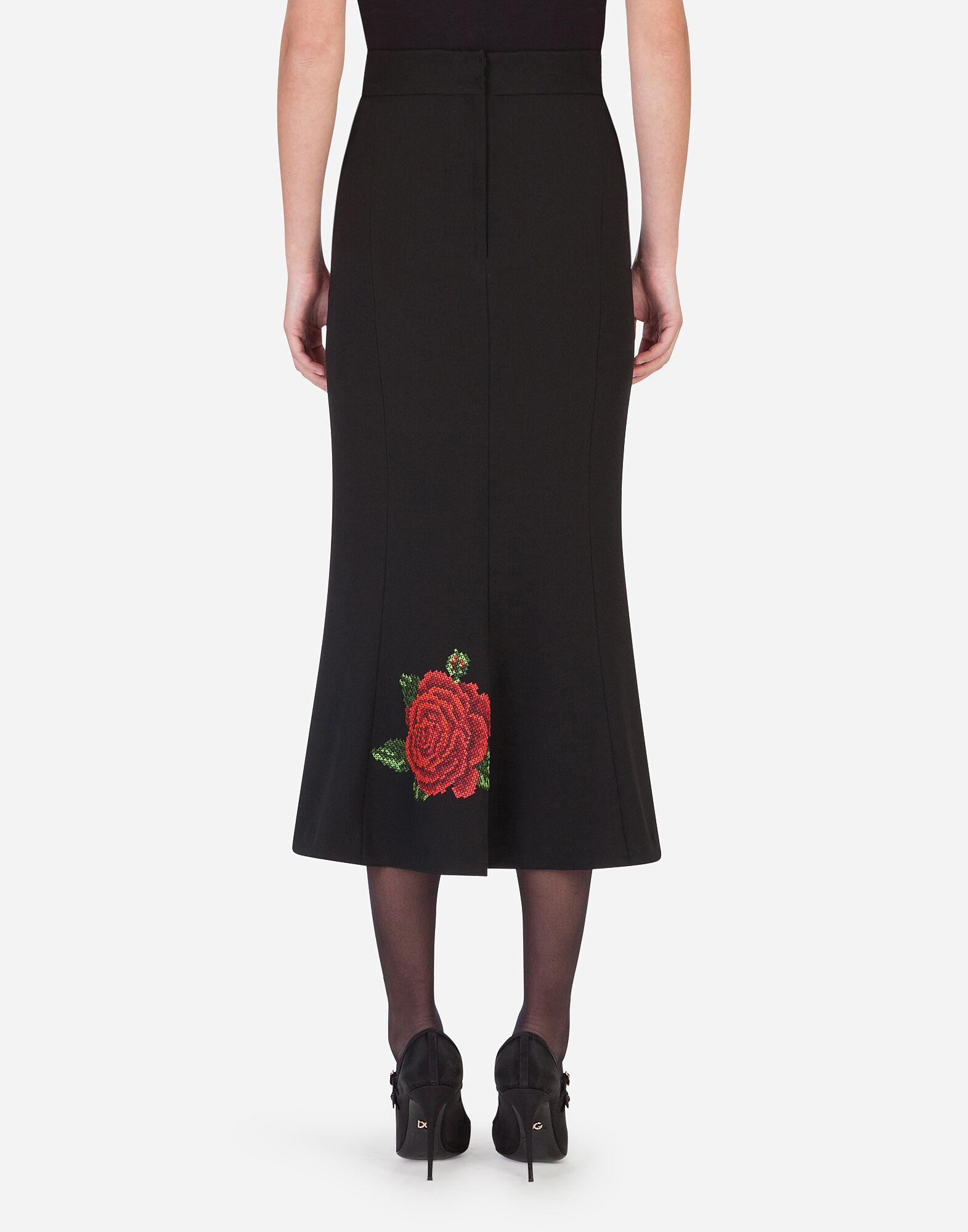 Pencil skirt with rose embroidery 1