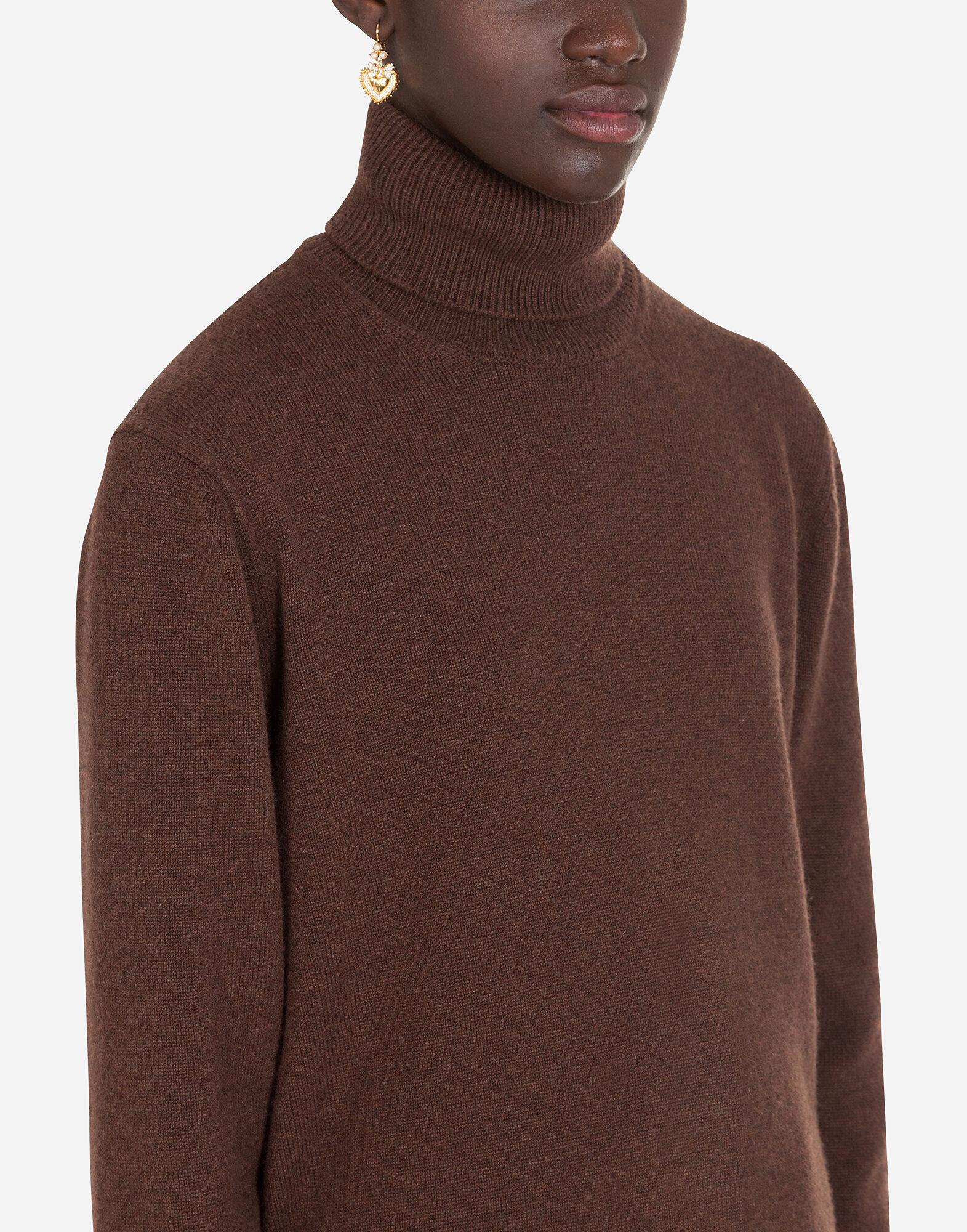 High neck sweater in cashmere 4
