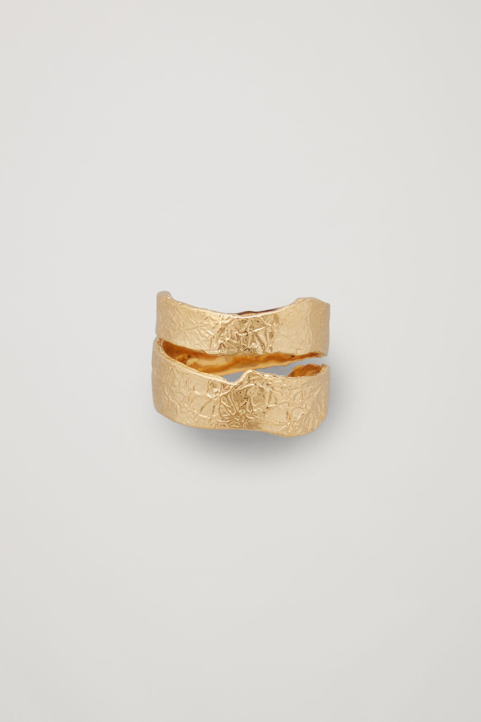 18KT GOLD-PLATED SPLIT BAND TEXTURED RING