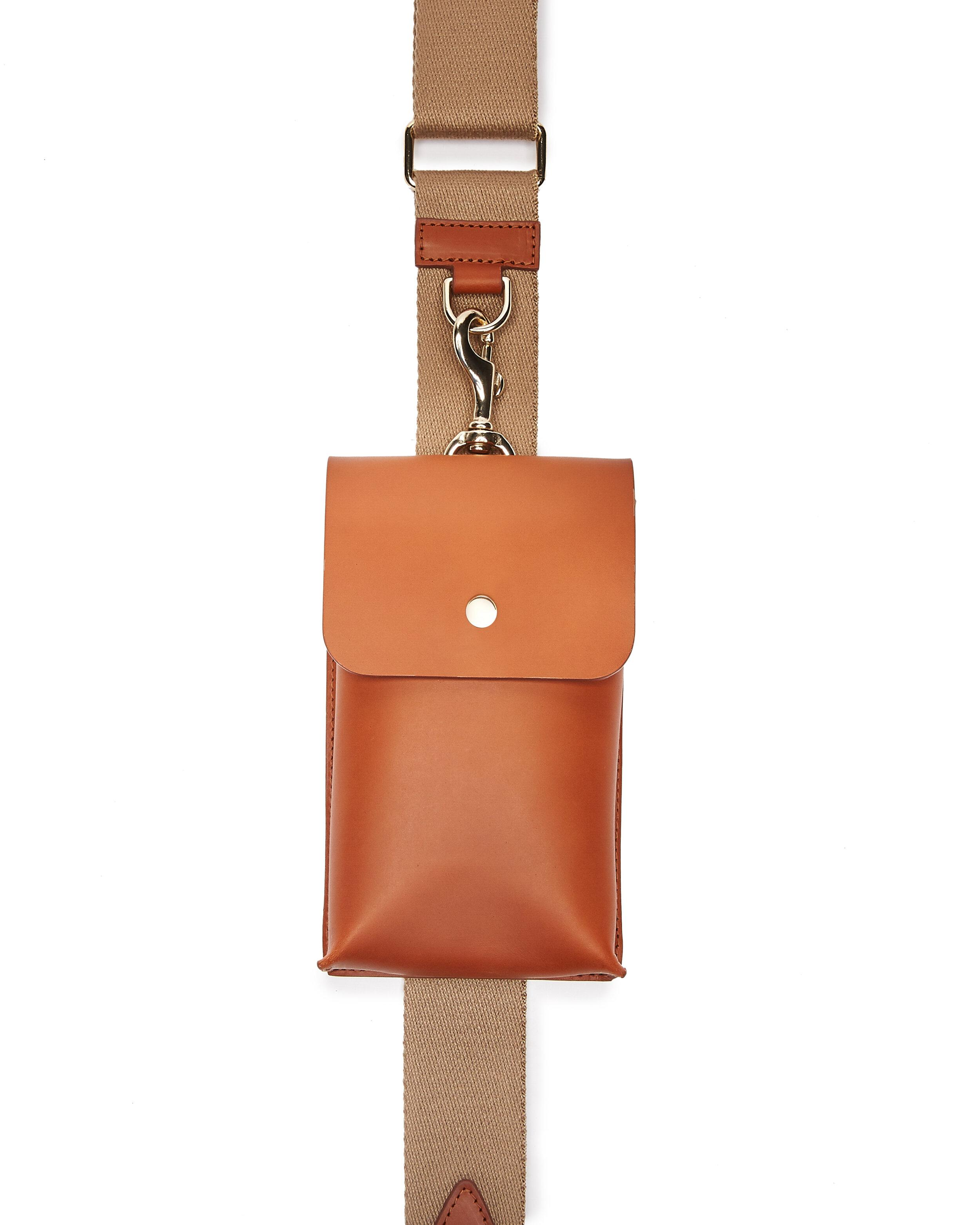Bottle Bag with Bottle - Tan Leather 1