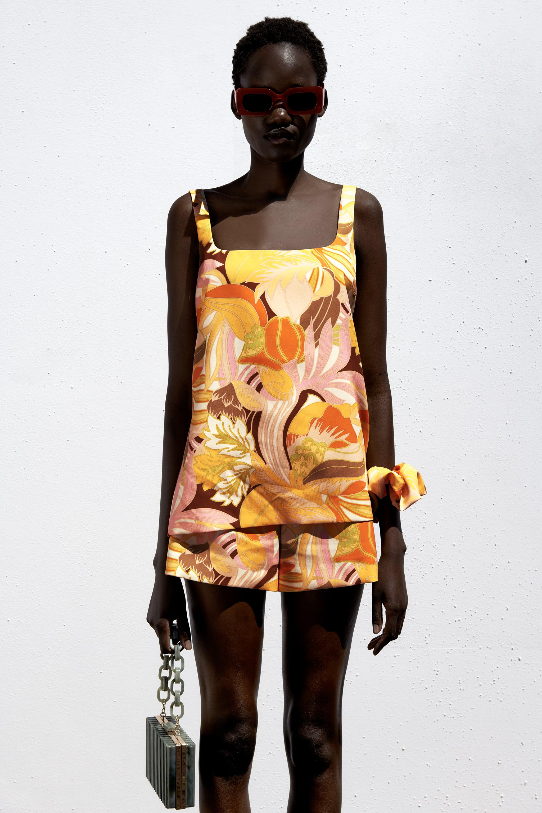 PRINTED TOP WITH SCRUNCHIE 1