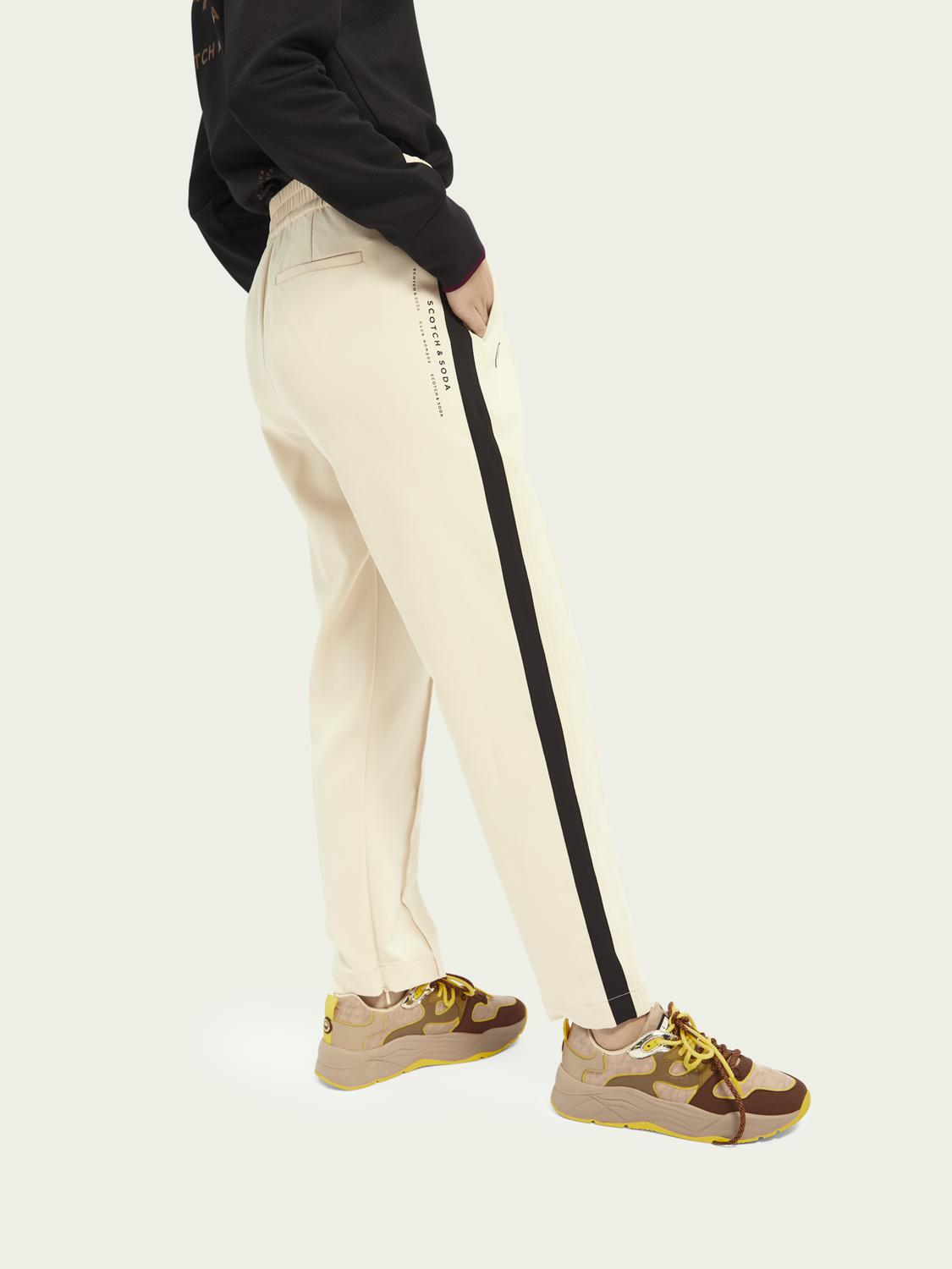 Woven sporty trousers 3