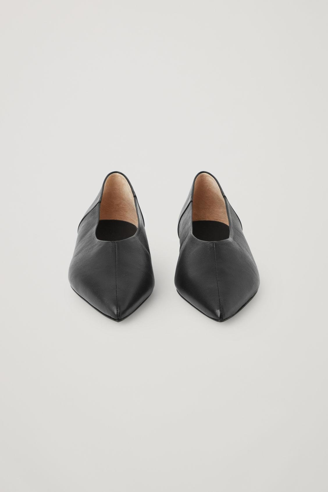 POINTED LEATHER BALLET FLATS 1