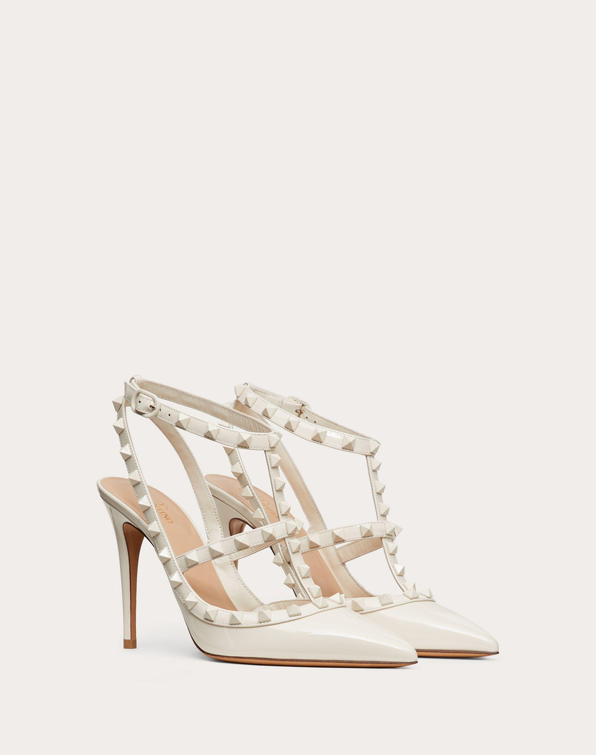ROCKSTUD ANKLE STRAP PATENT-LEATHER PUMP WITH TONAL STUDS 100 MM 1