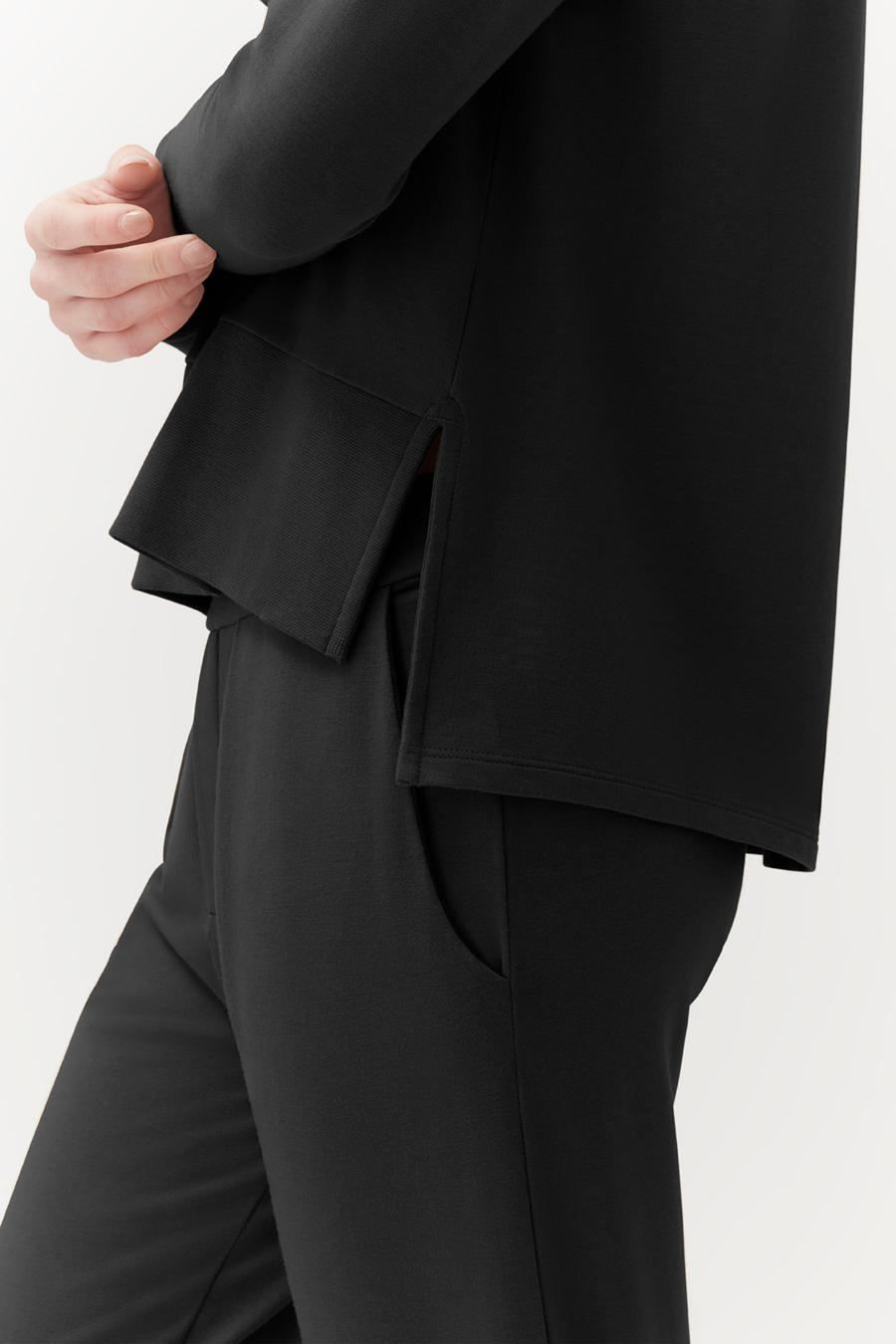 Women's French Terry Pleated Front Pant in Black   Size: 3