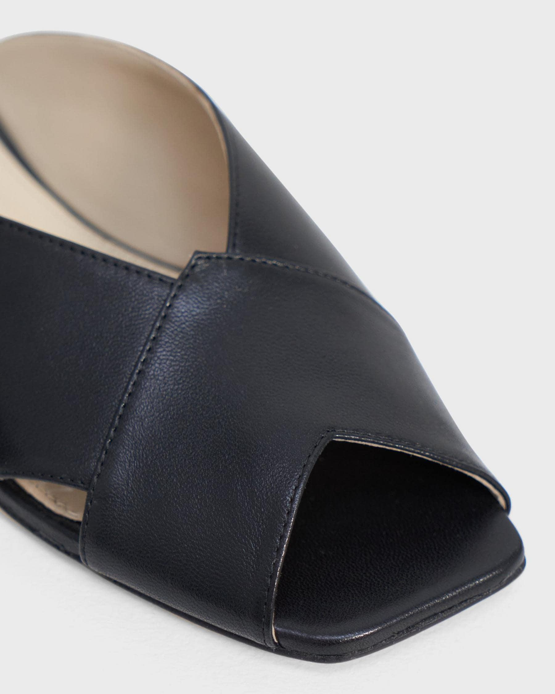 V Flat Mule in Leather 2