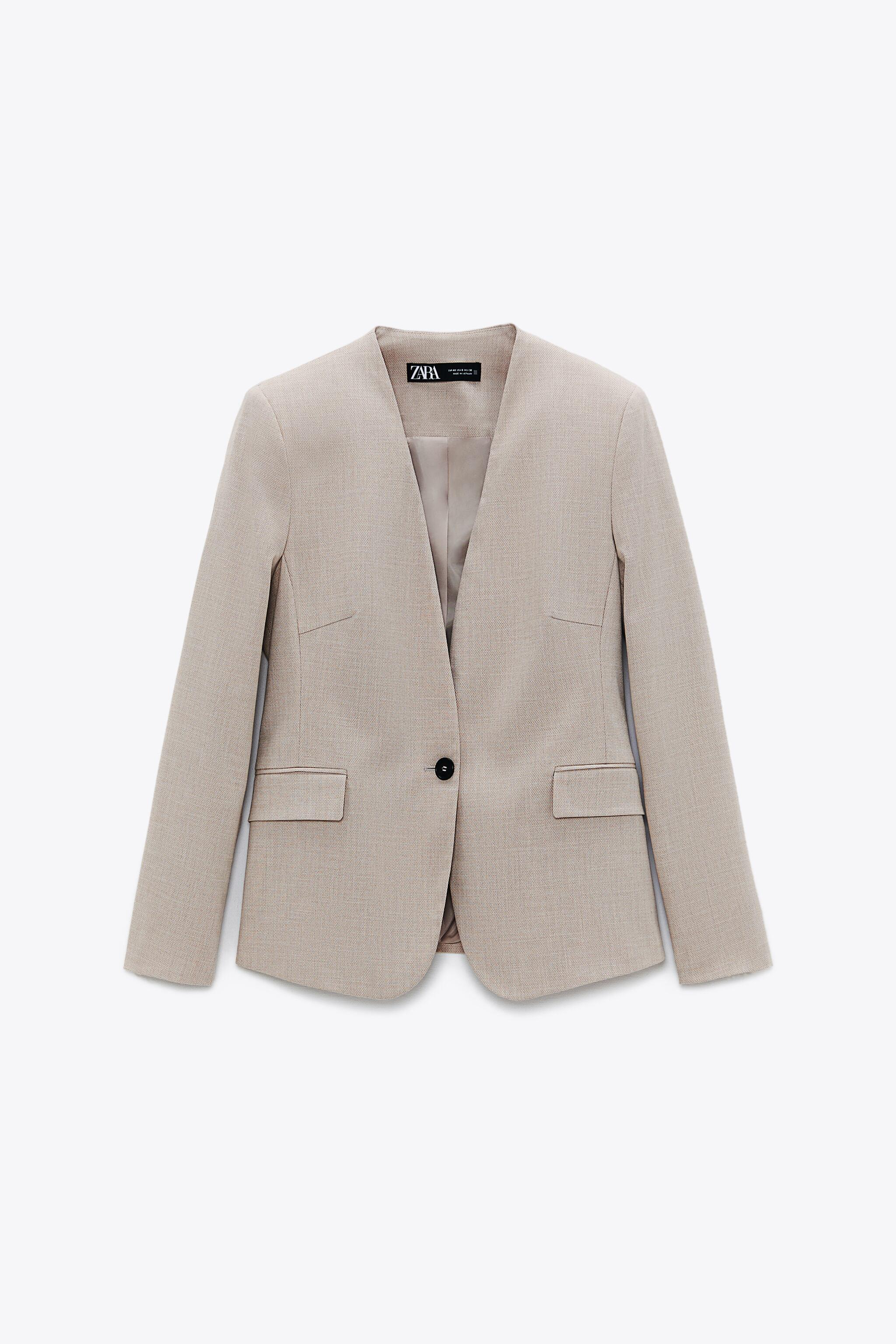 LAPELLESS FITTED BLAZER 2
