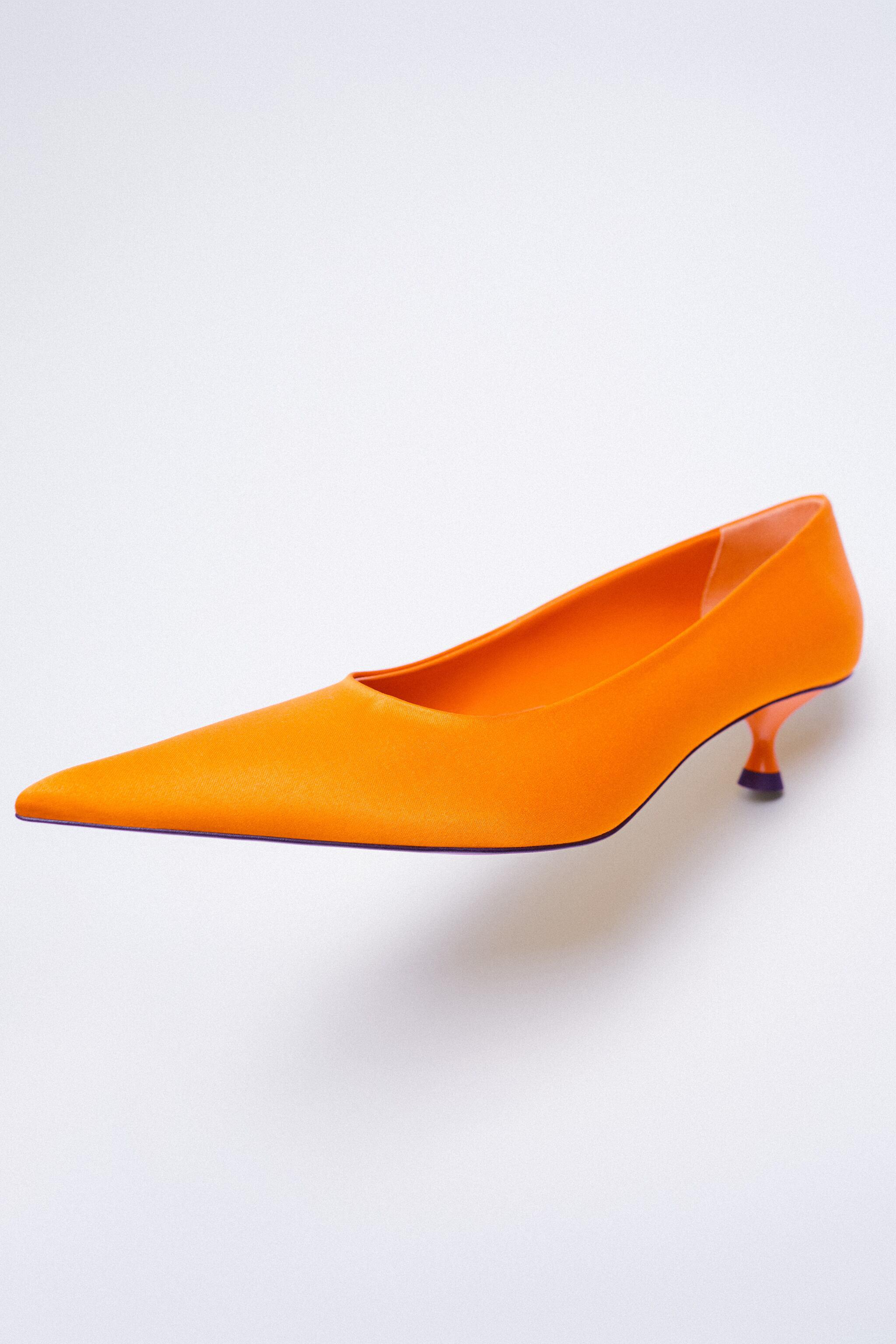 SATIN EFFECT POINTED TOE HEELS 11