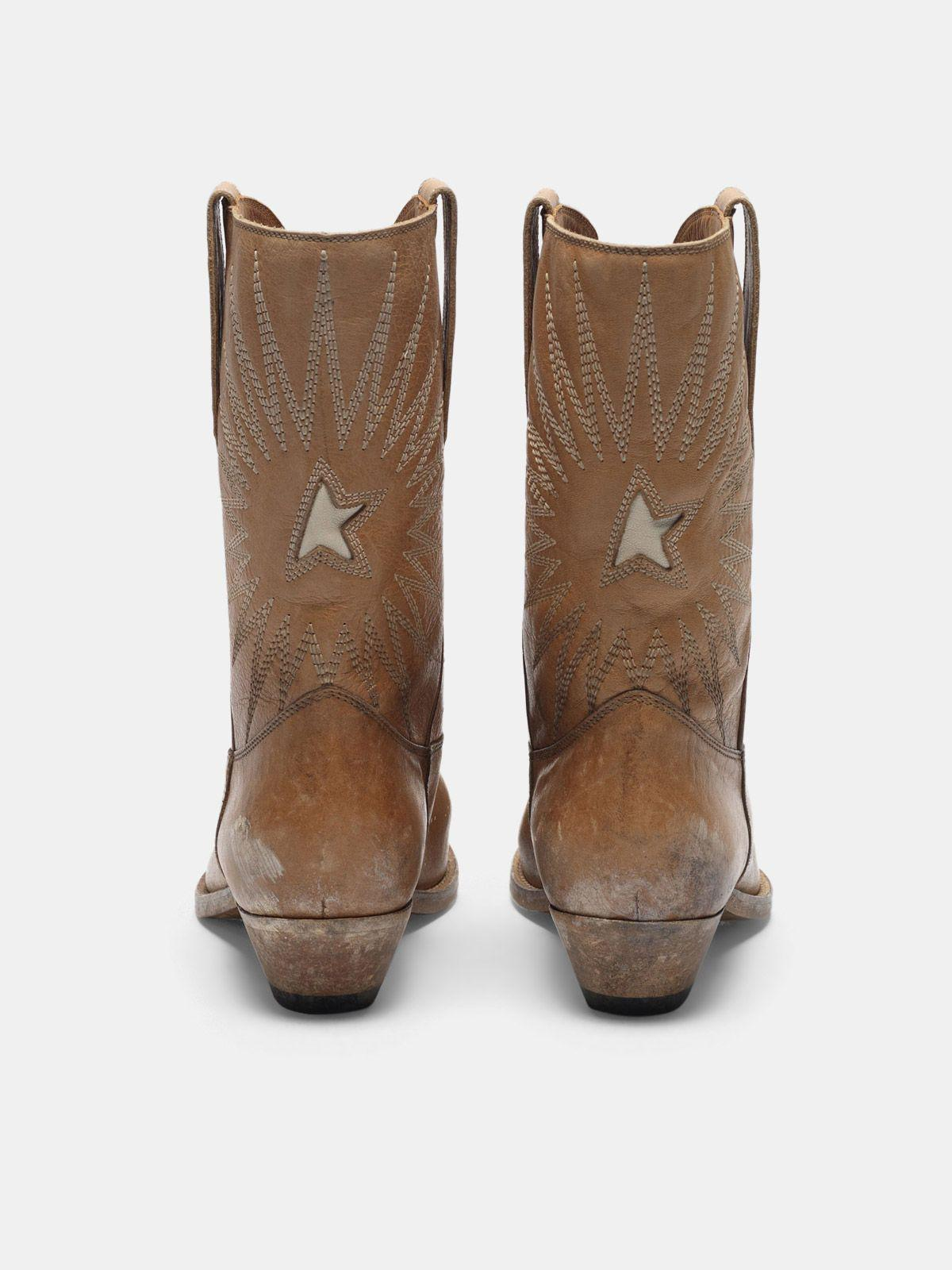 Low Wish Star boots with honey-coloured vegetable tanning 1