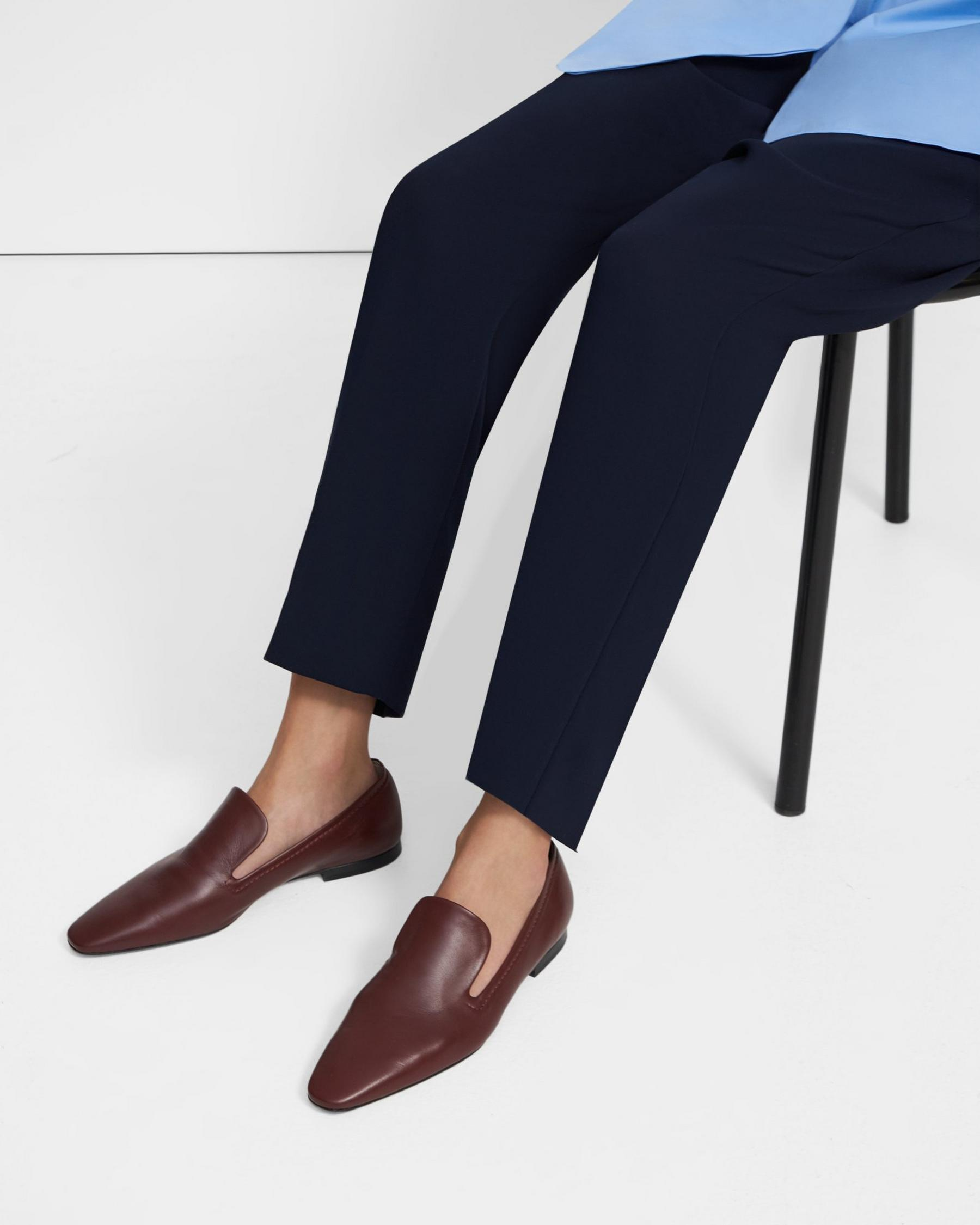 Pointed Loafer in Leather