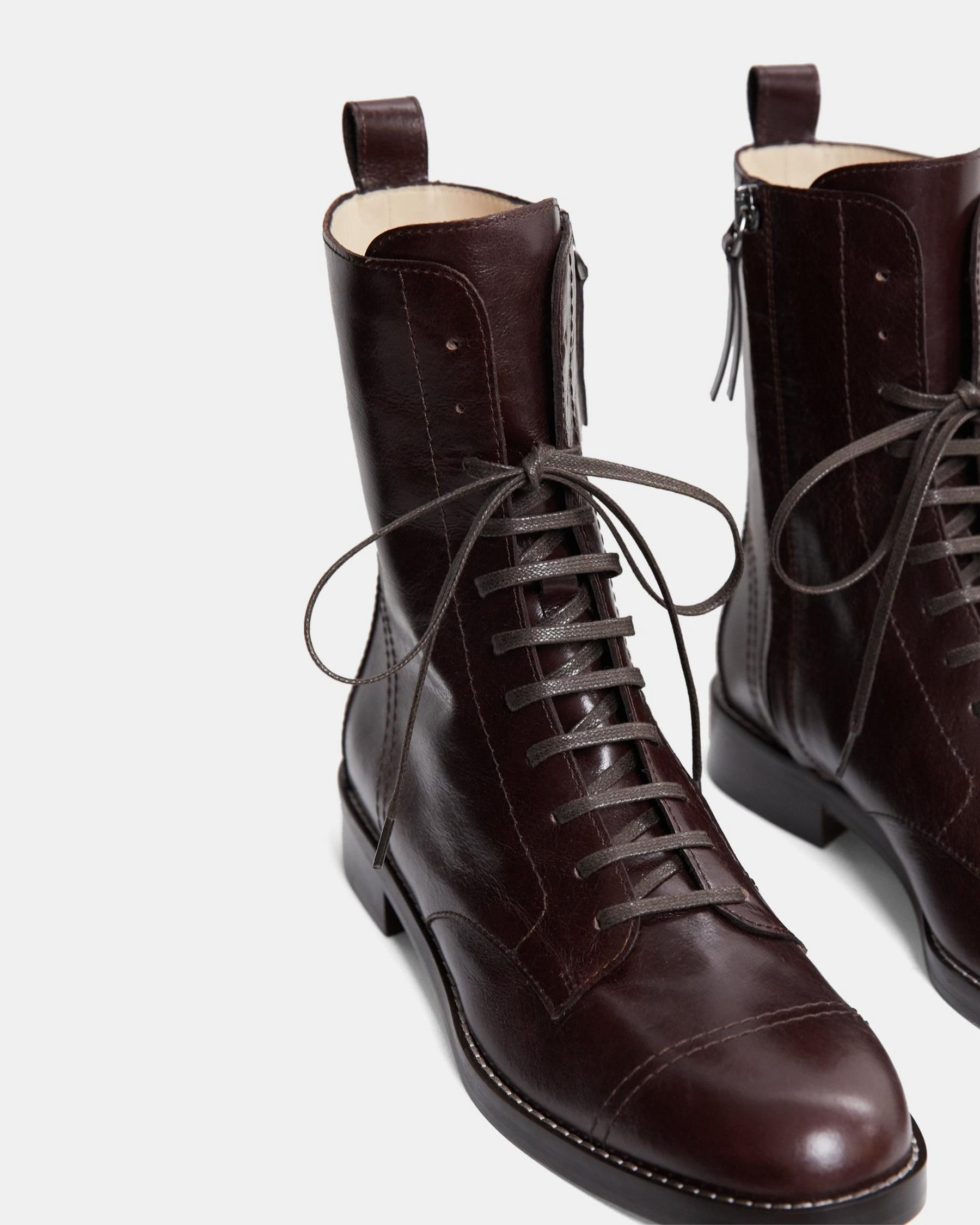 Laced Boot in Satin Leather 4