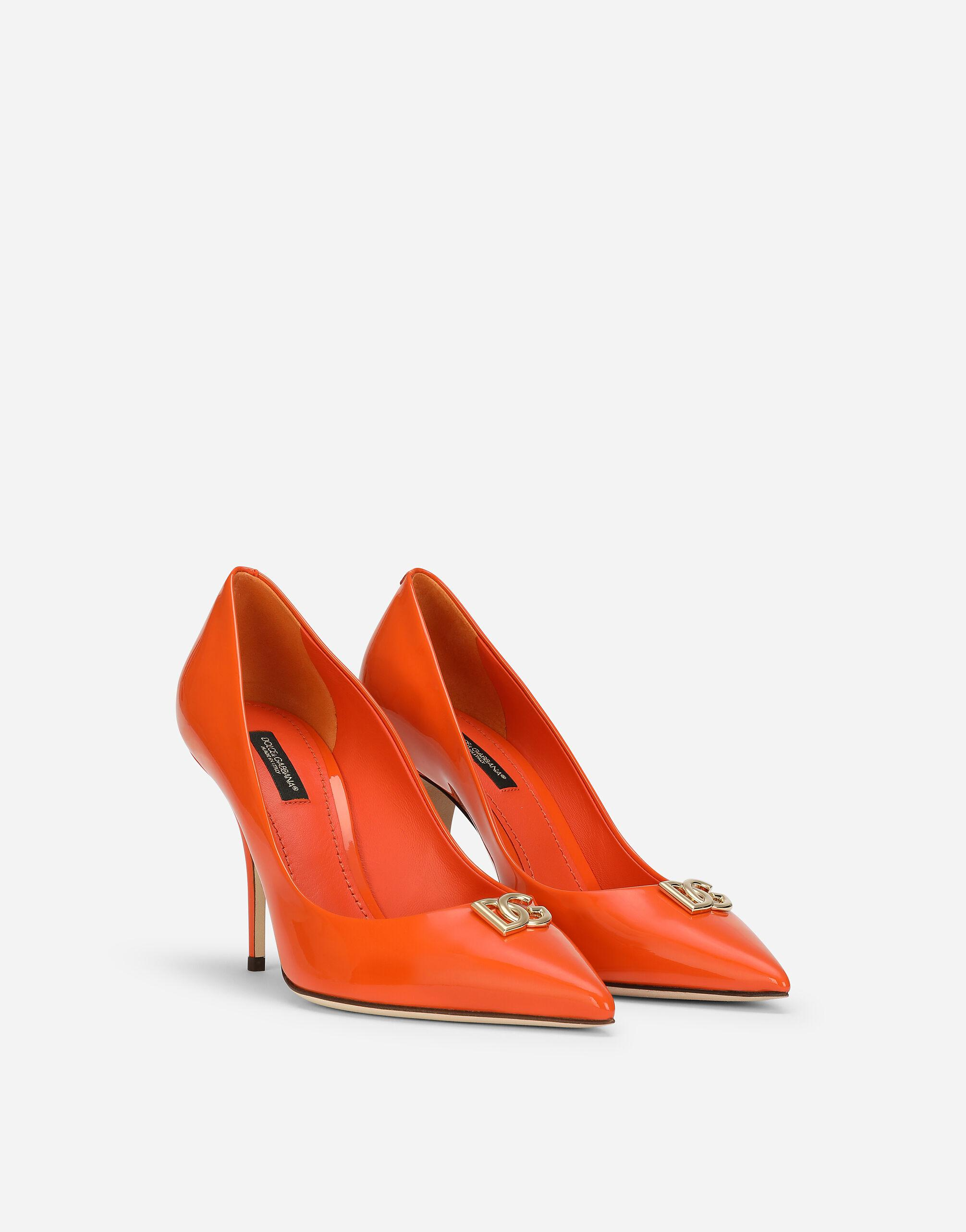 Patent leather pumps with DG logo 1