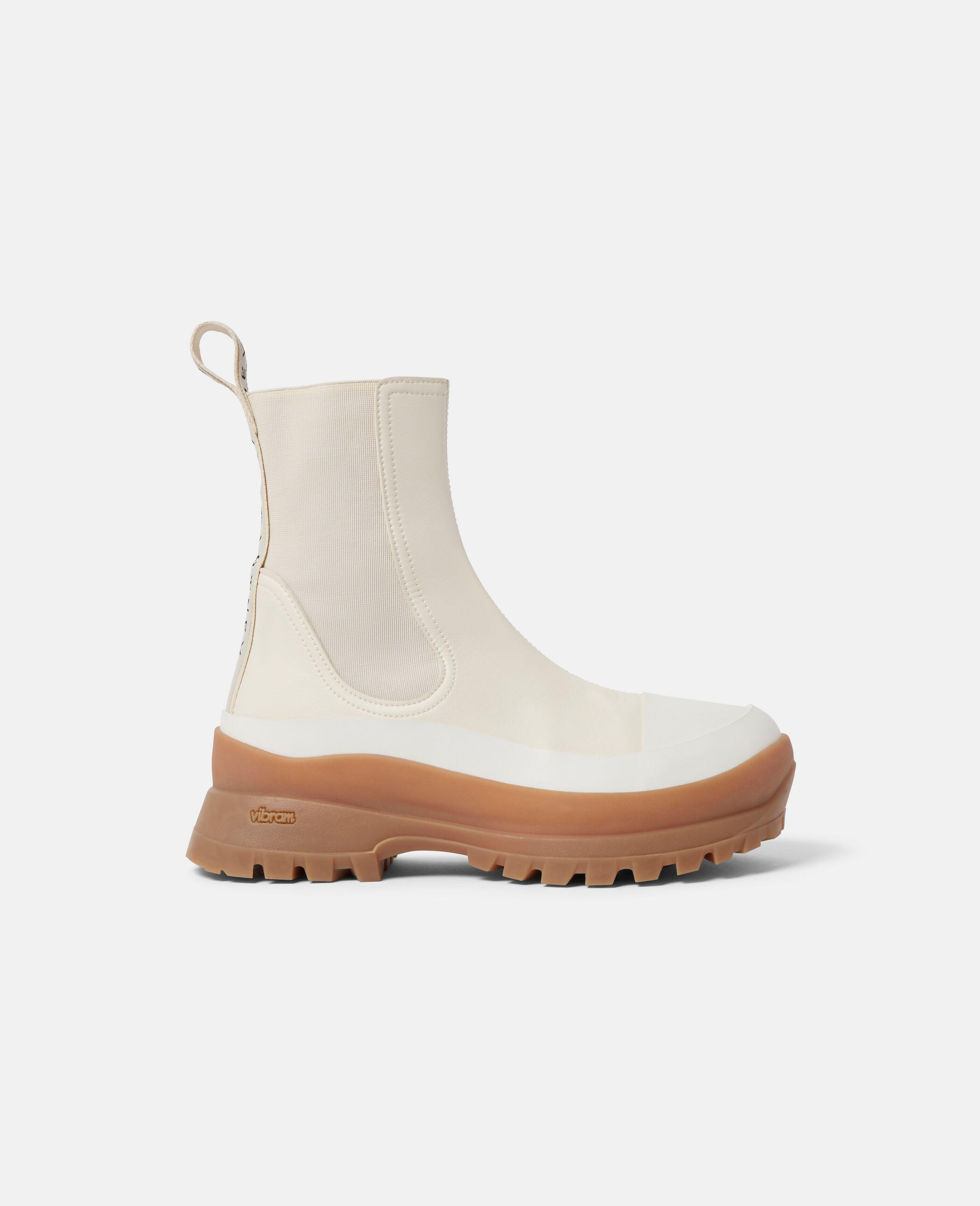 Trace Chelsea Boots 0