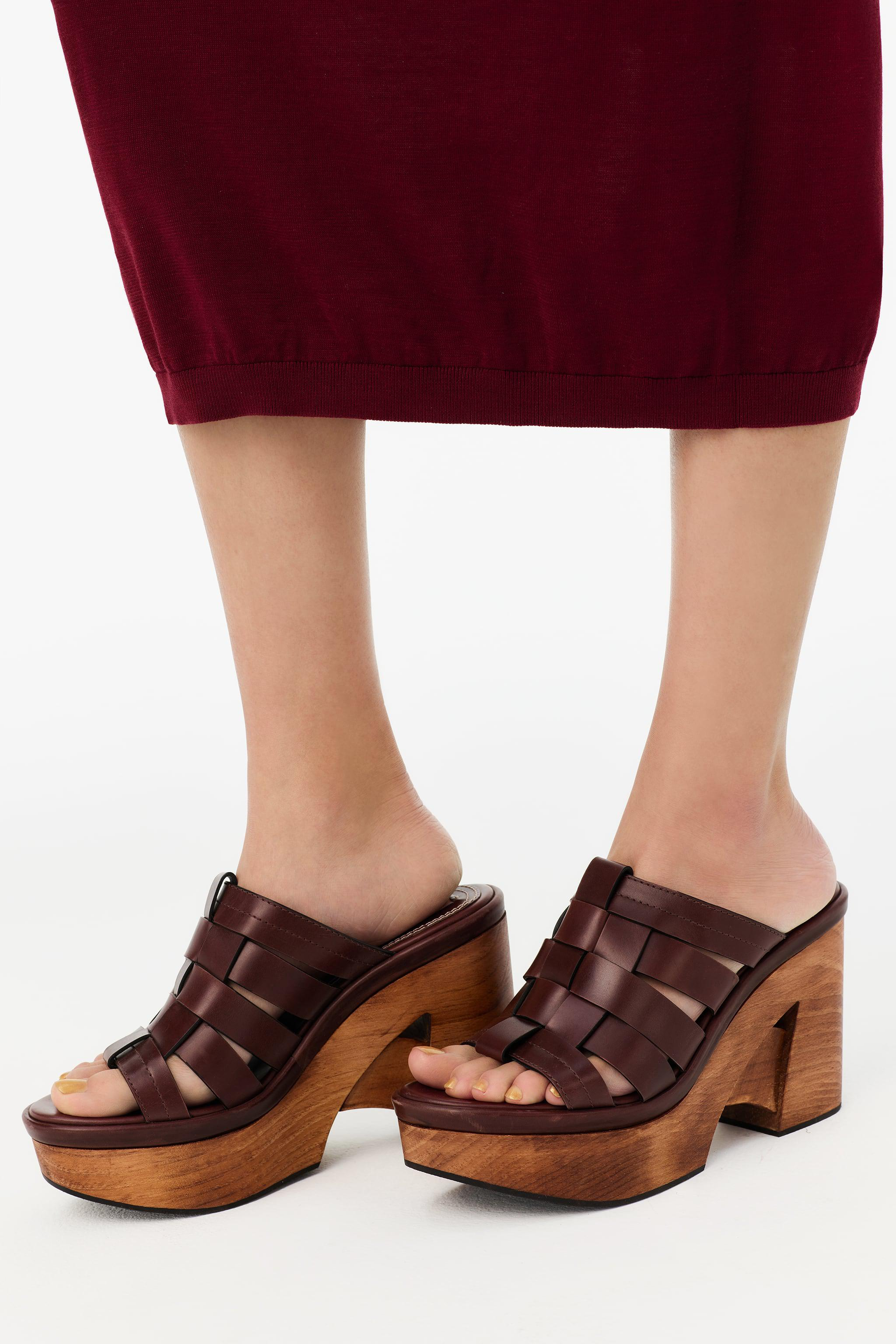 WOOD LEATHER FISHERMAN CLOGS