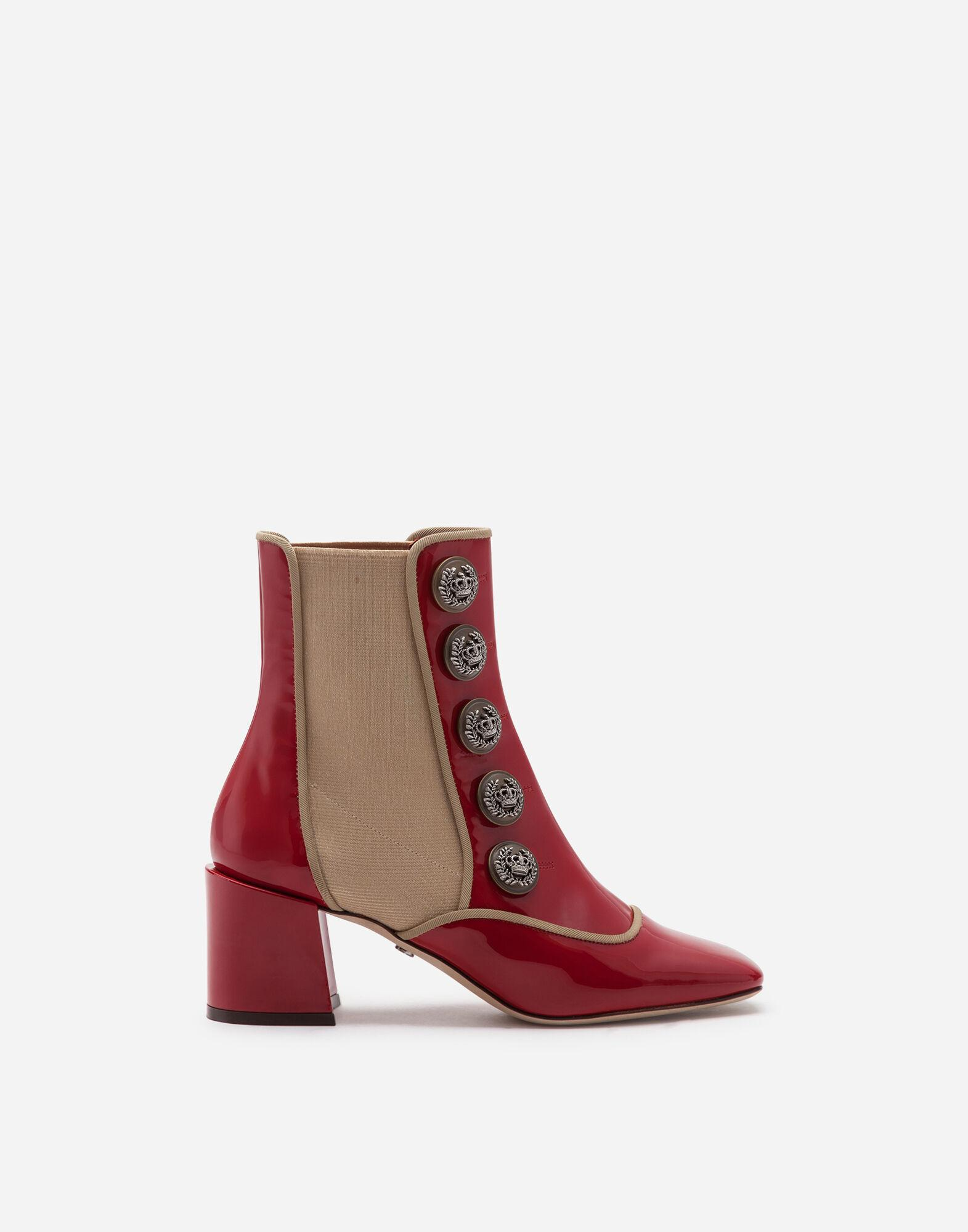 Ankle boots in polished calfskin with buttons