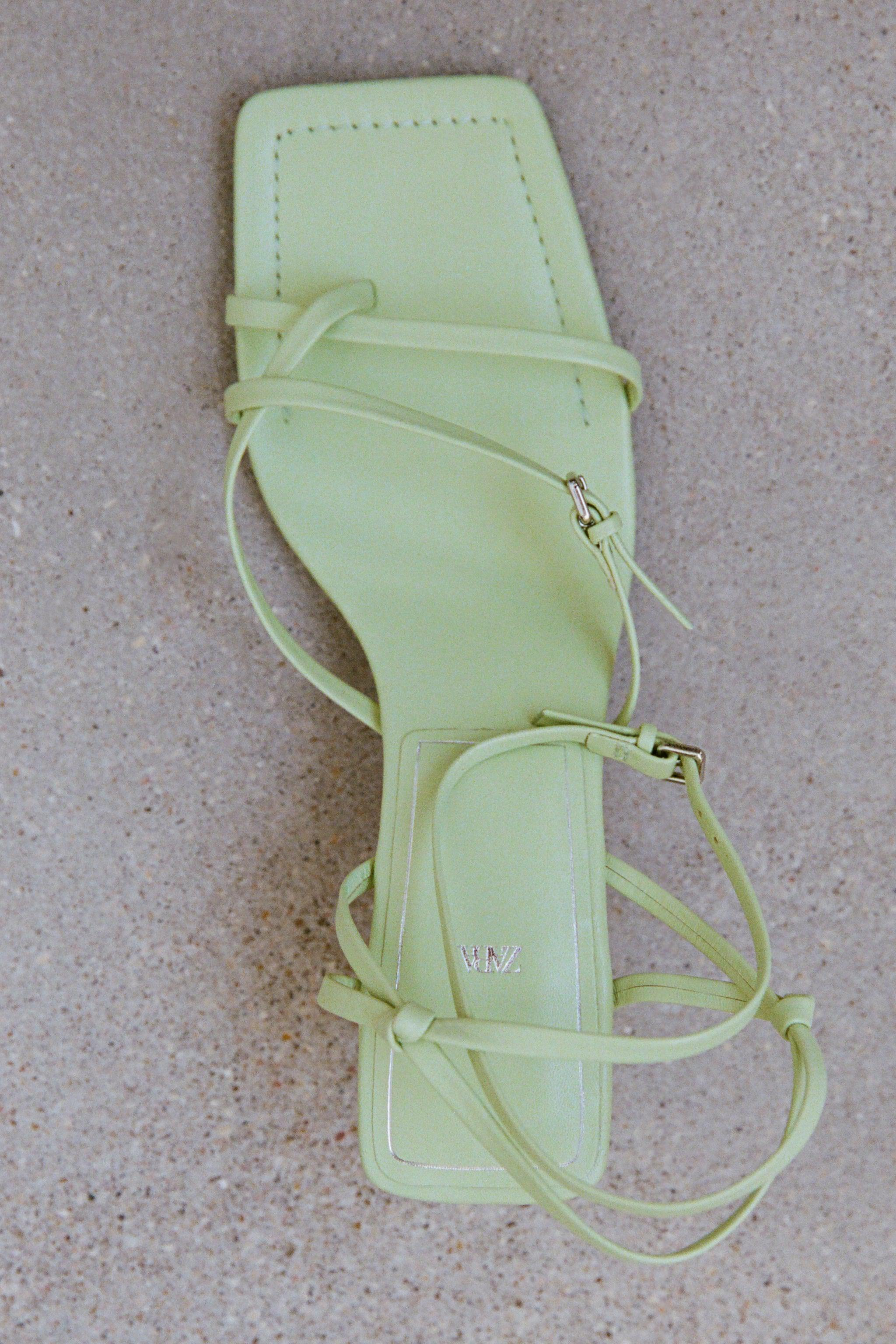 STRAPPY HEELED LEATHER SANDALS 1