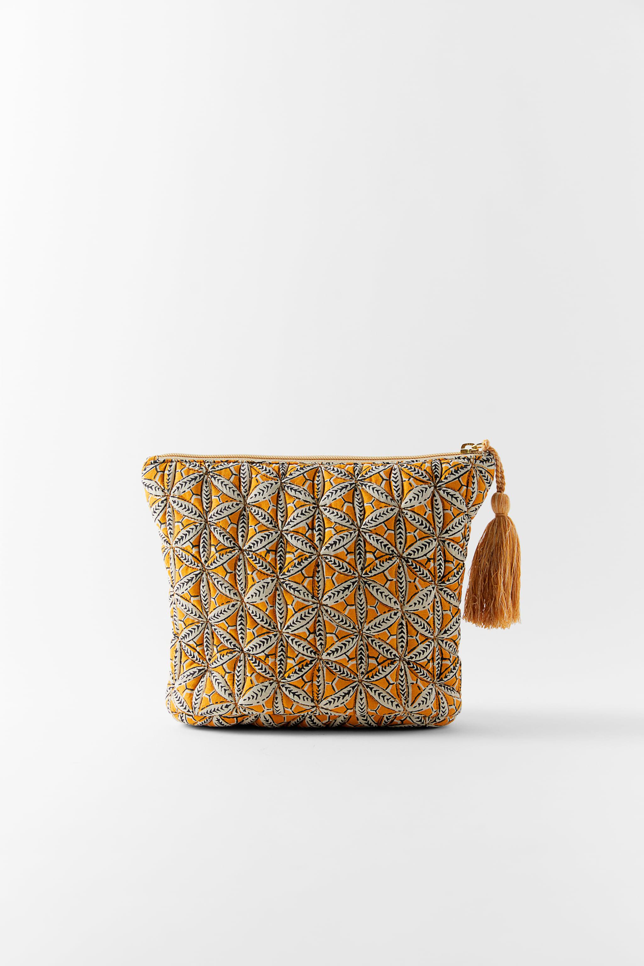 PRINTED QUILTED TOILETRY BAG