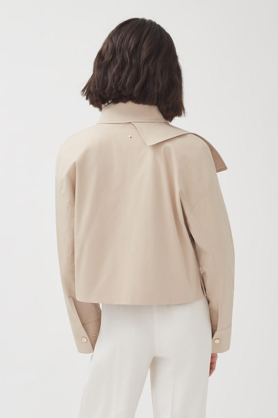Women's Cropped Trench in Dune | Size: L/XL | Cotton Elastane Blend by Cuyana 3