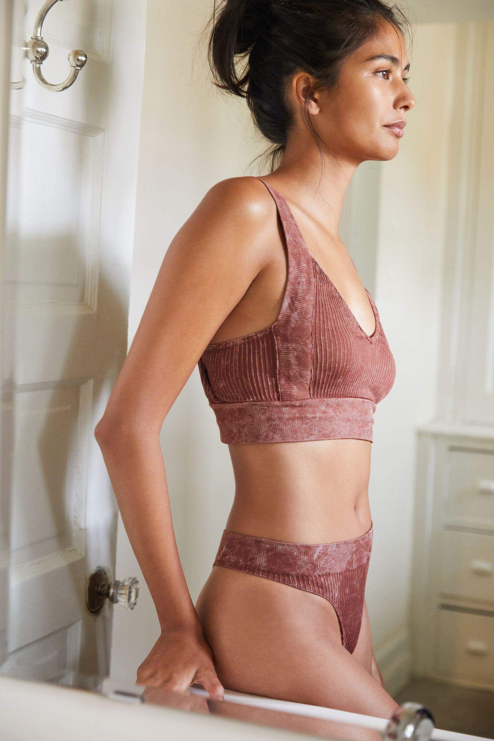 Seamless Cable-Knit Bralette