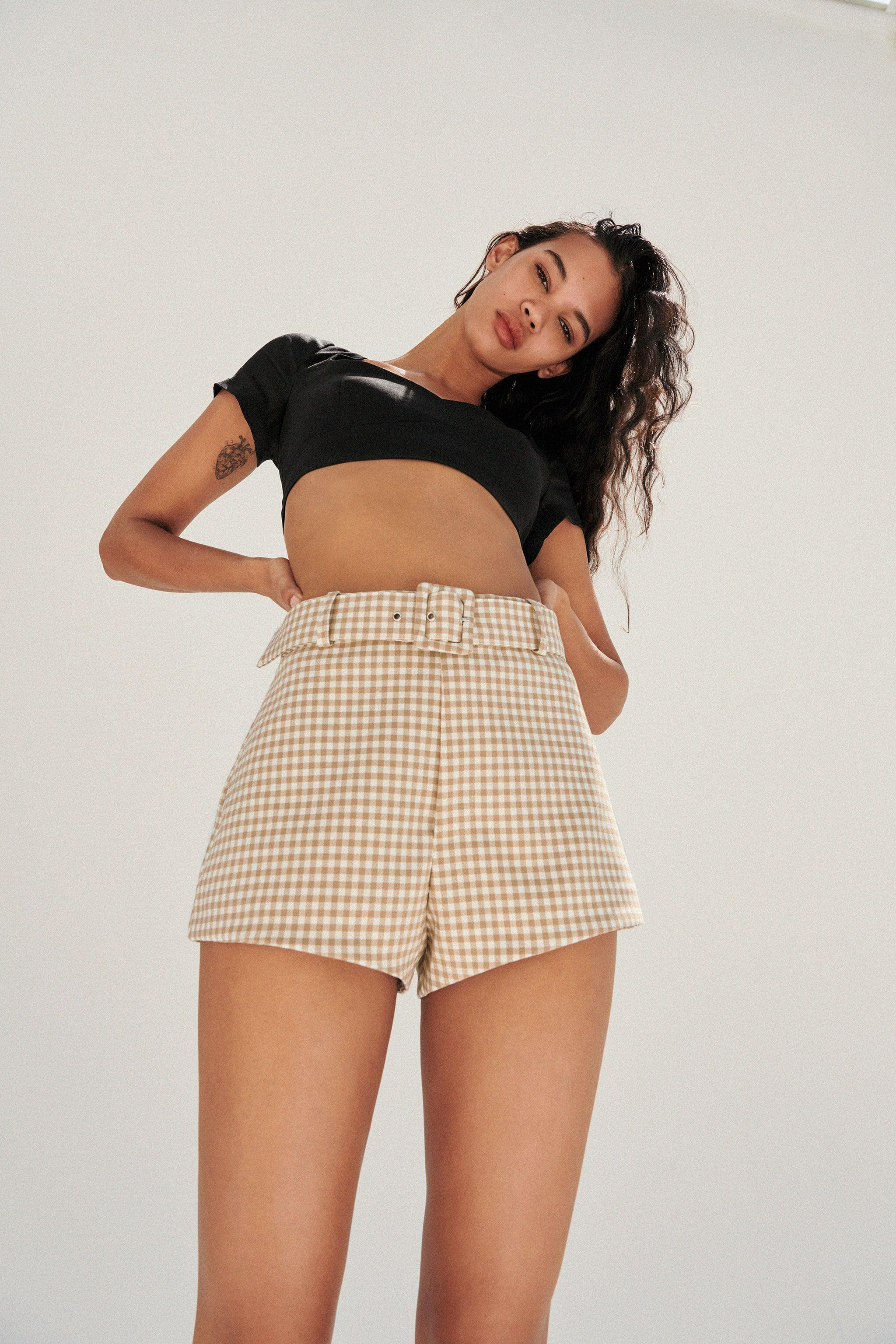 BELTED SHORTS 1