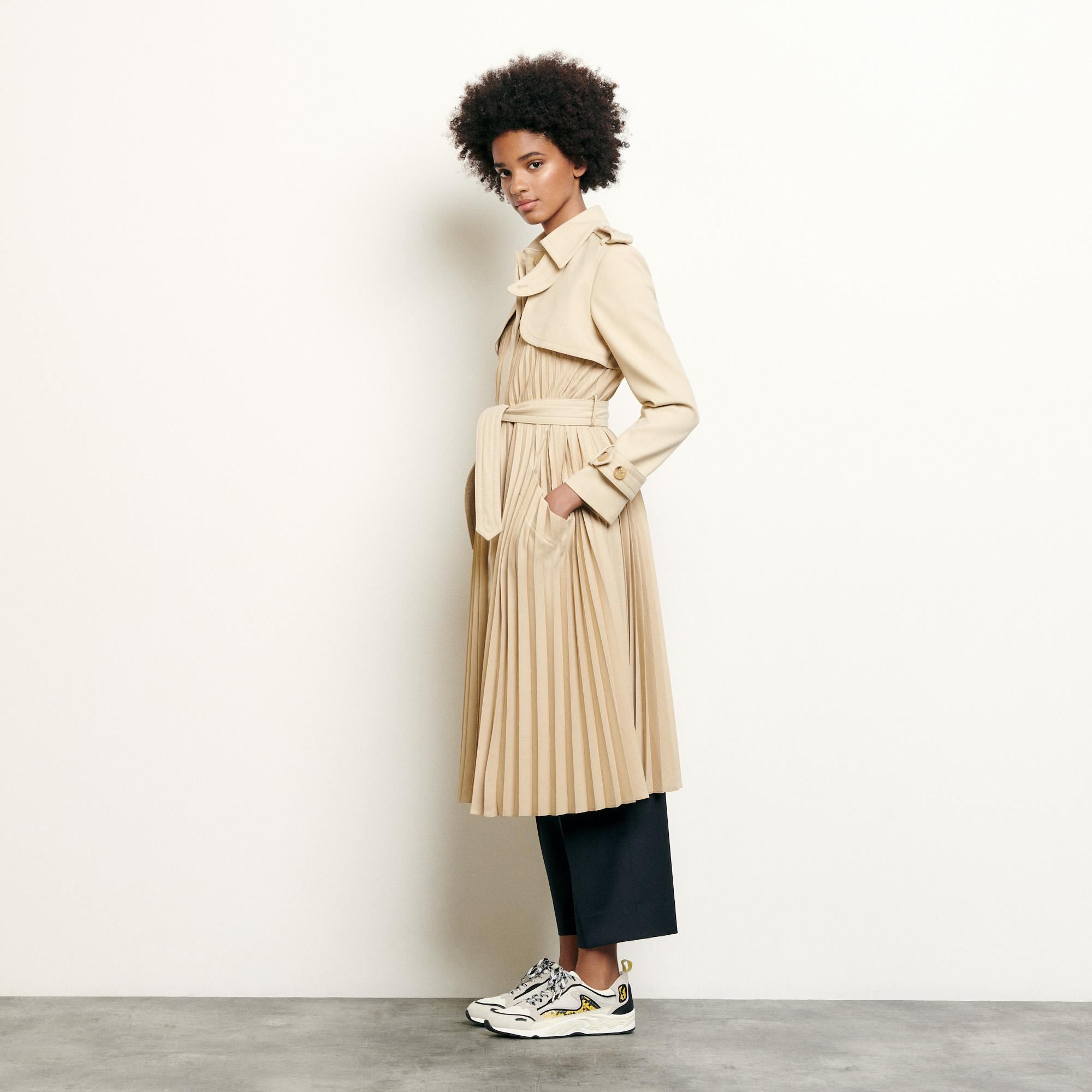 Pleated trench coat with belt 2