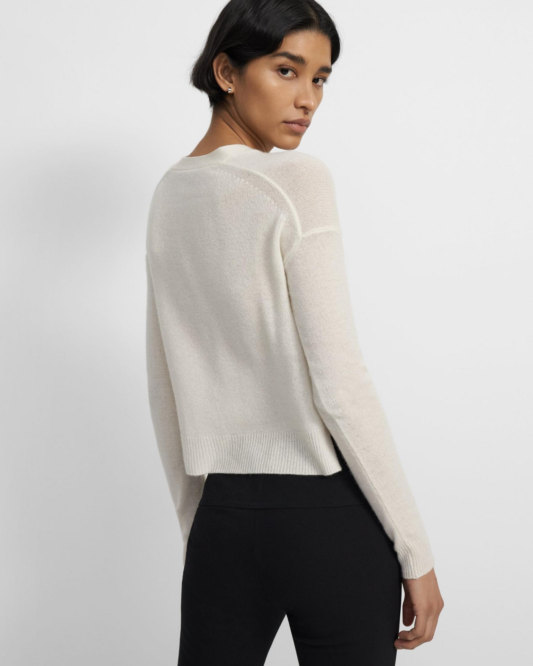Cropped Cardigan in Feather Cashmere 2