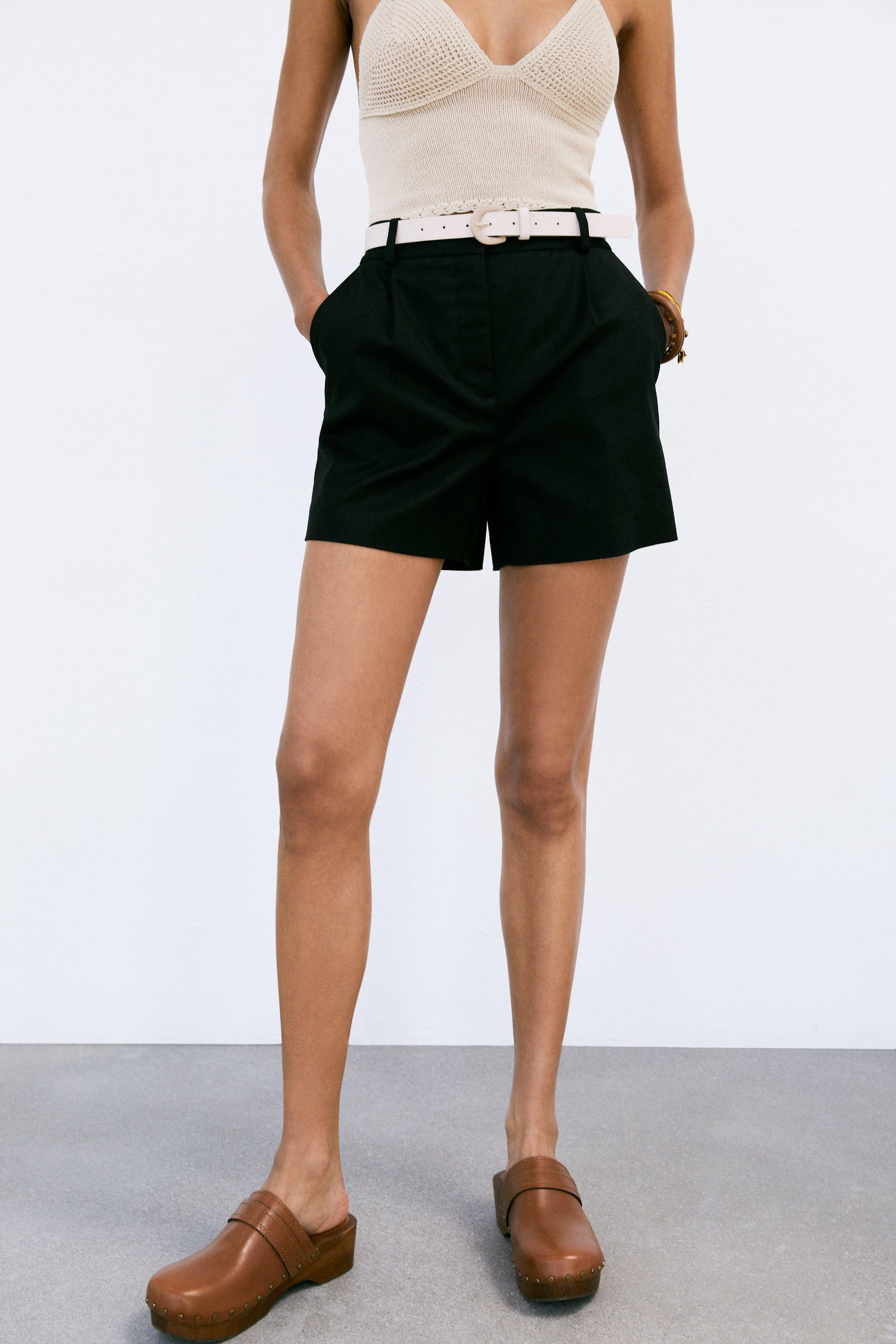 BELTED SHORTS WITH DARTS