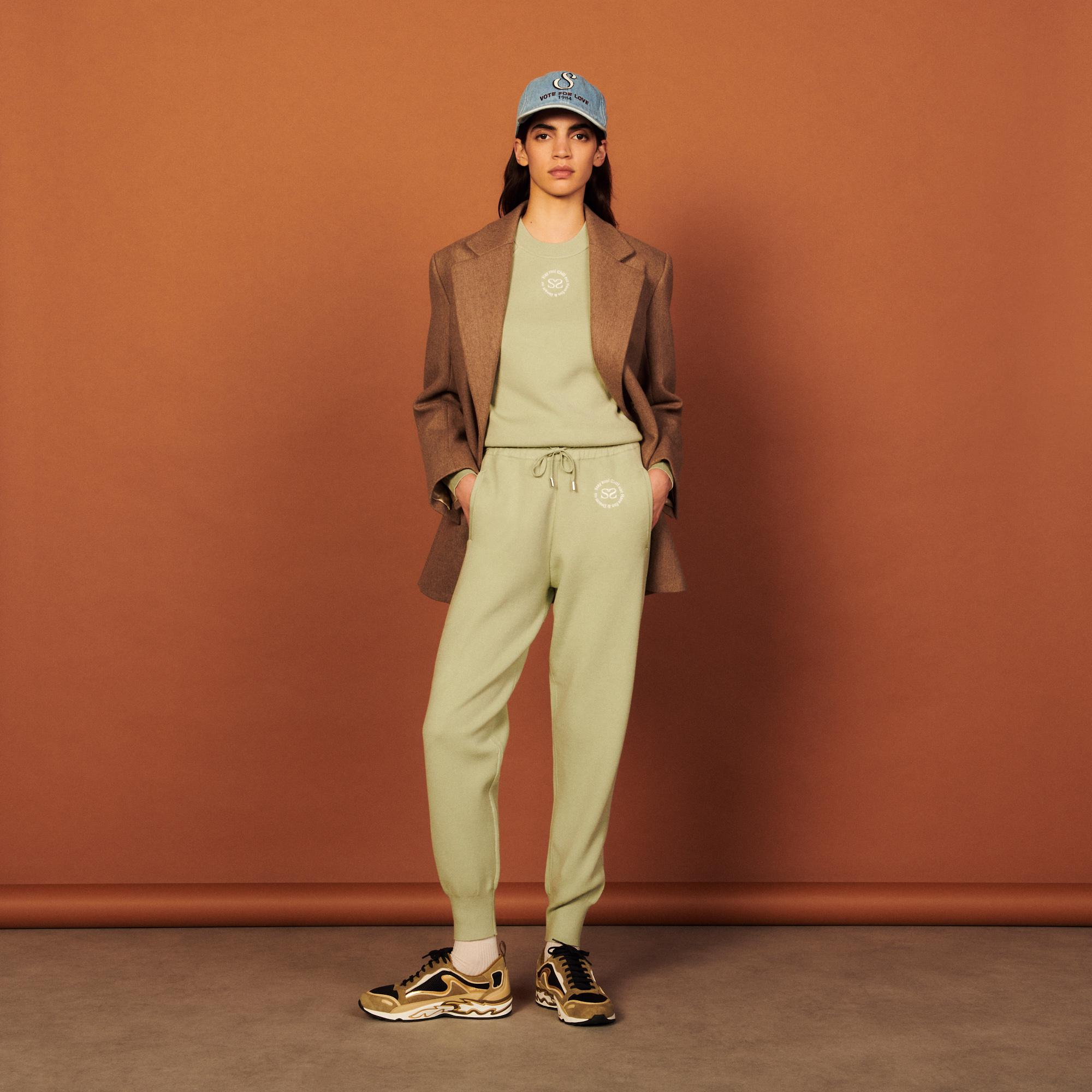 Knit jogging bottoms with embroidery