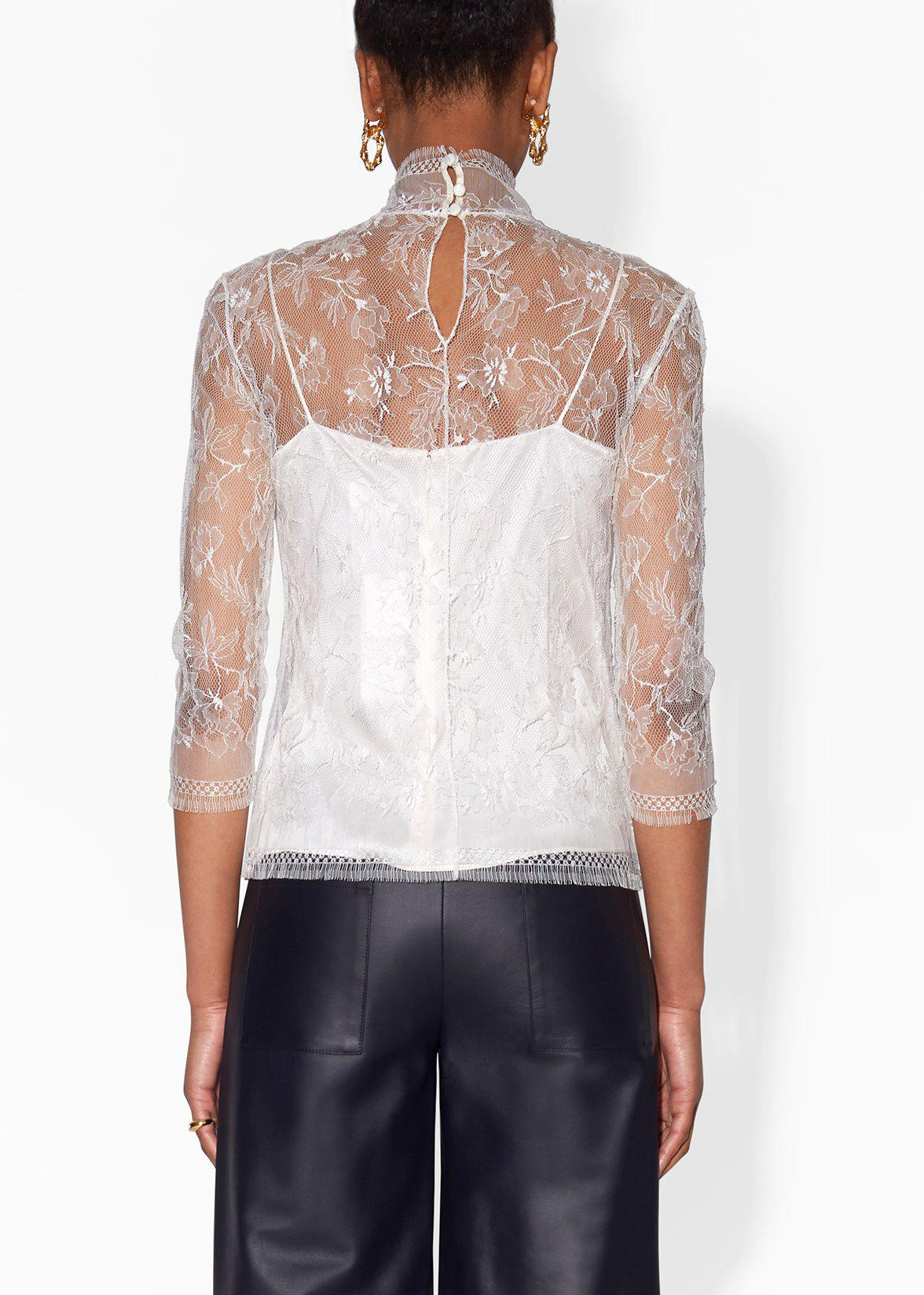TURTLENECK IN CHANTILLY LACE 3