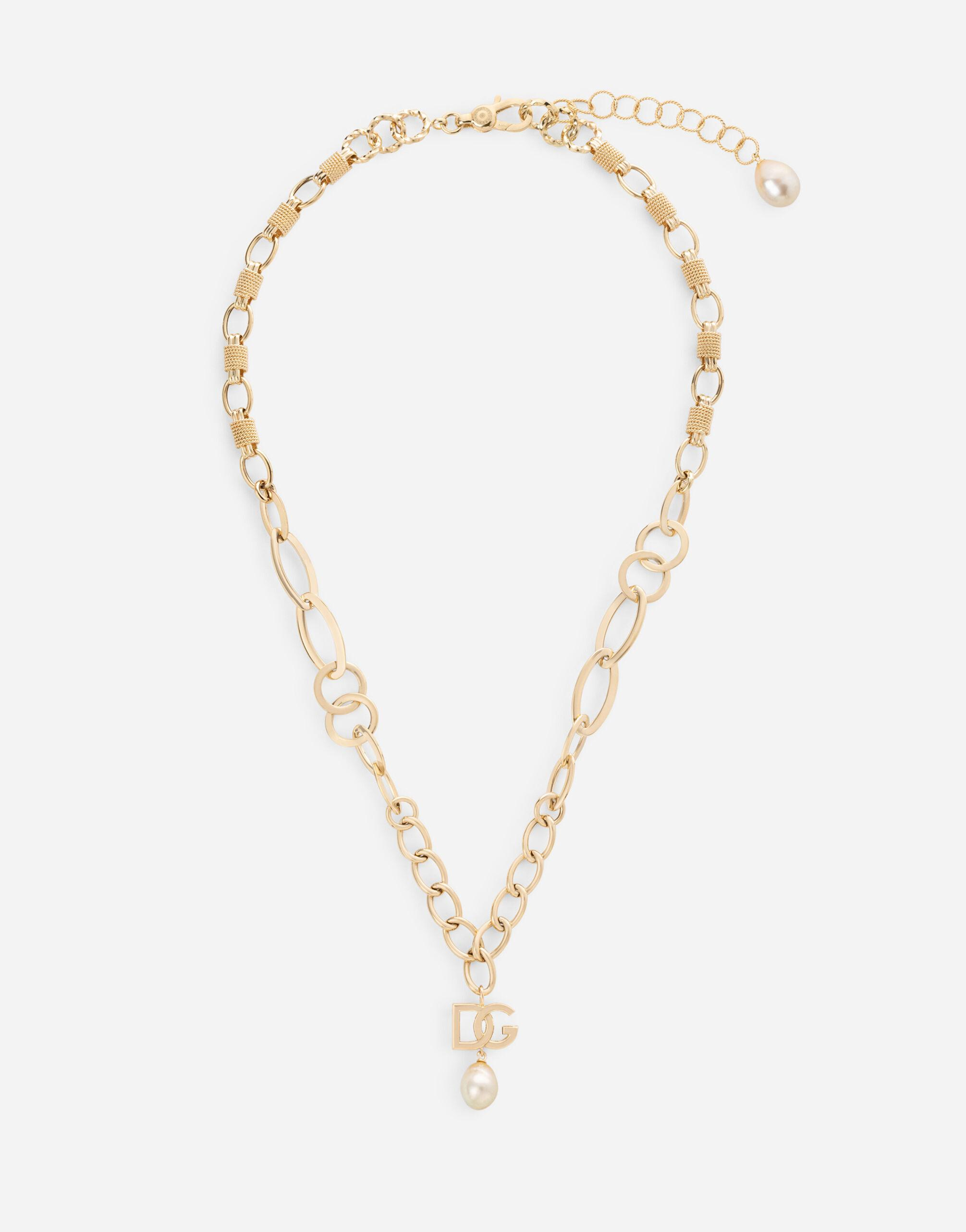Logo necklace in yellow 18kt gold with pearl