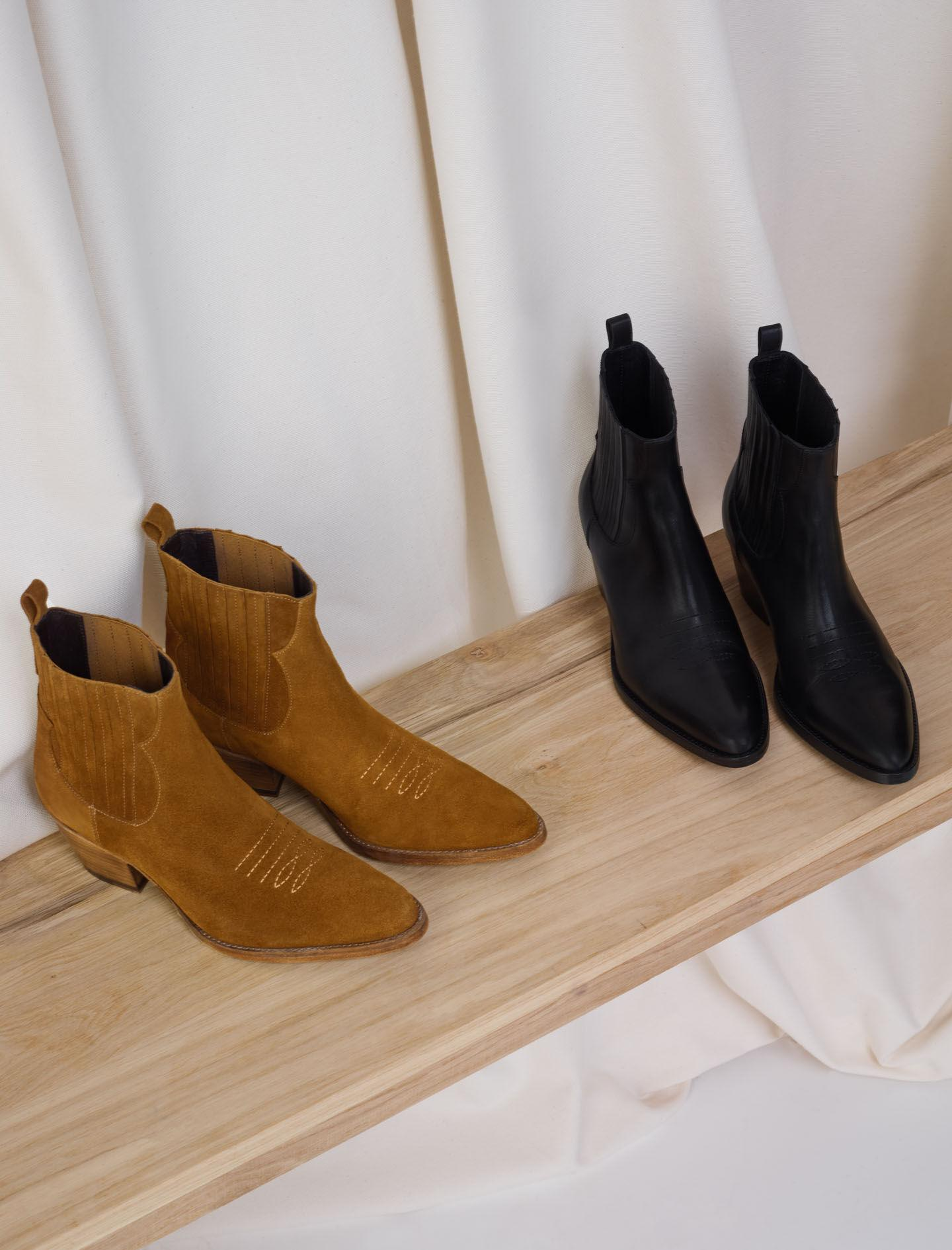 LEATHER COWBOY BOOTS 3