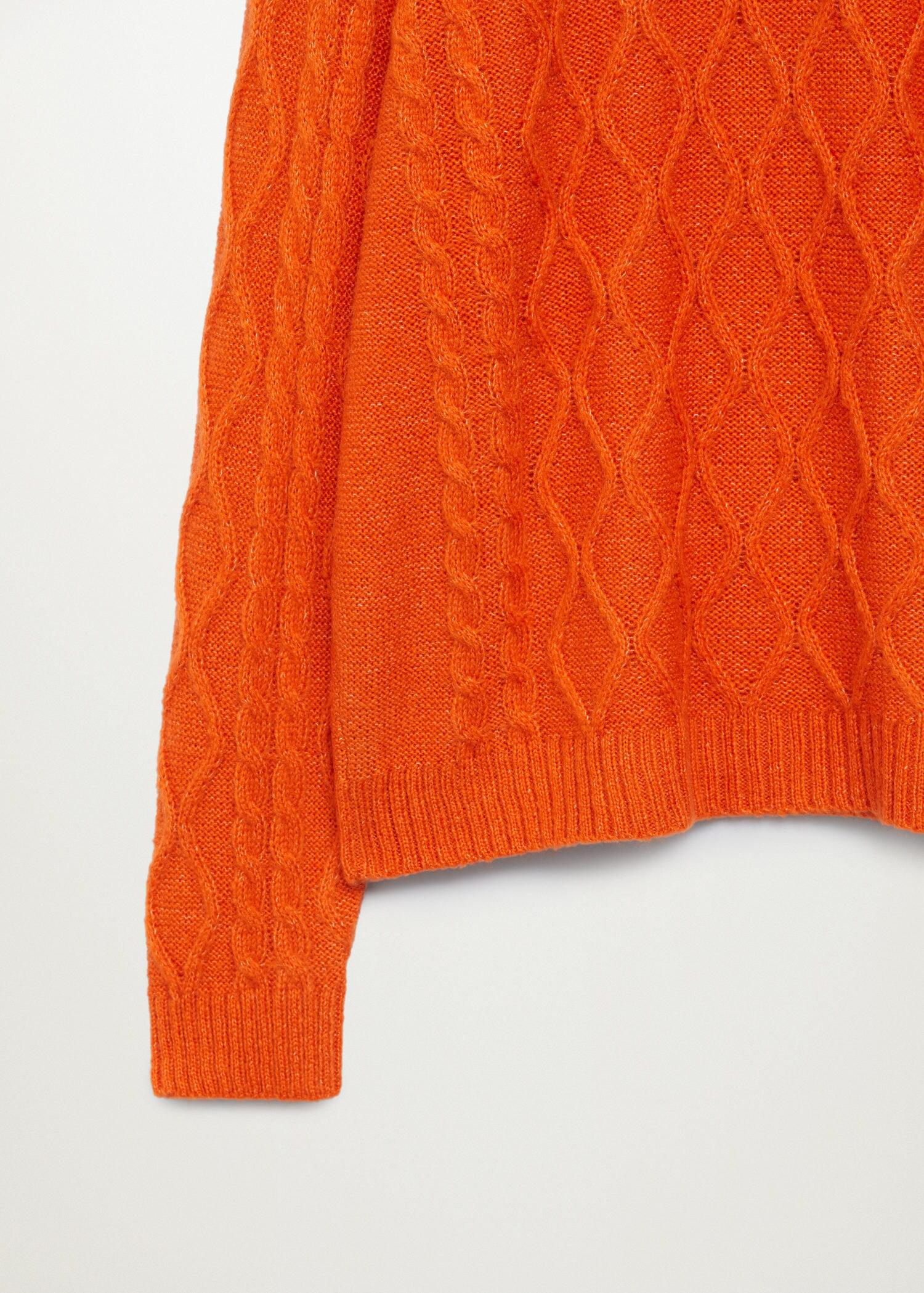 Cable-knit sweater 6