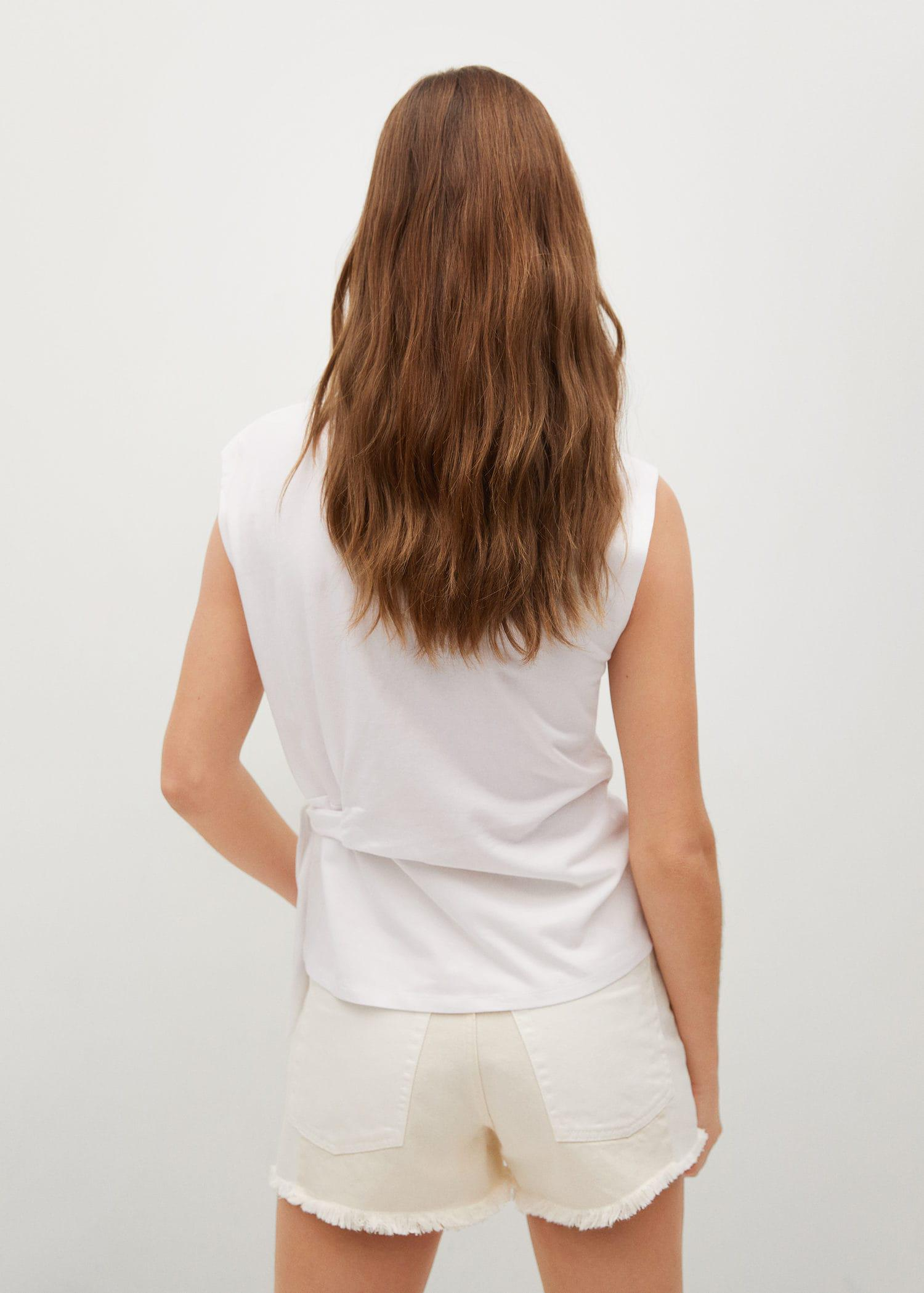 Recycled cotton t-shirt with knot 2