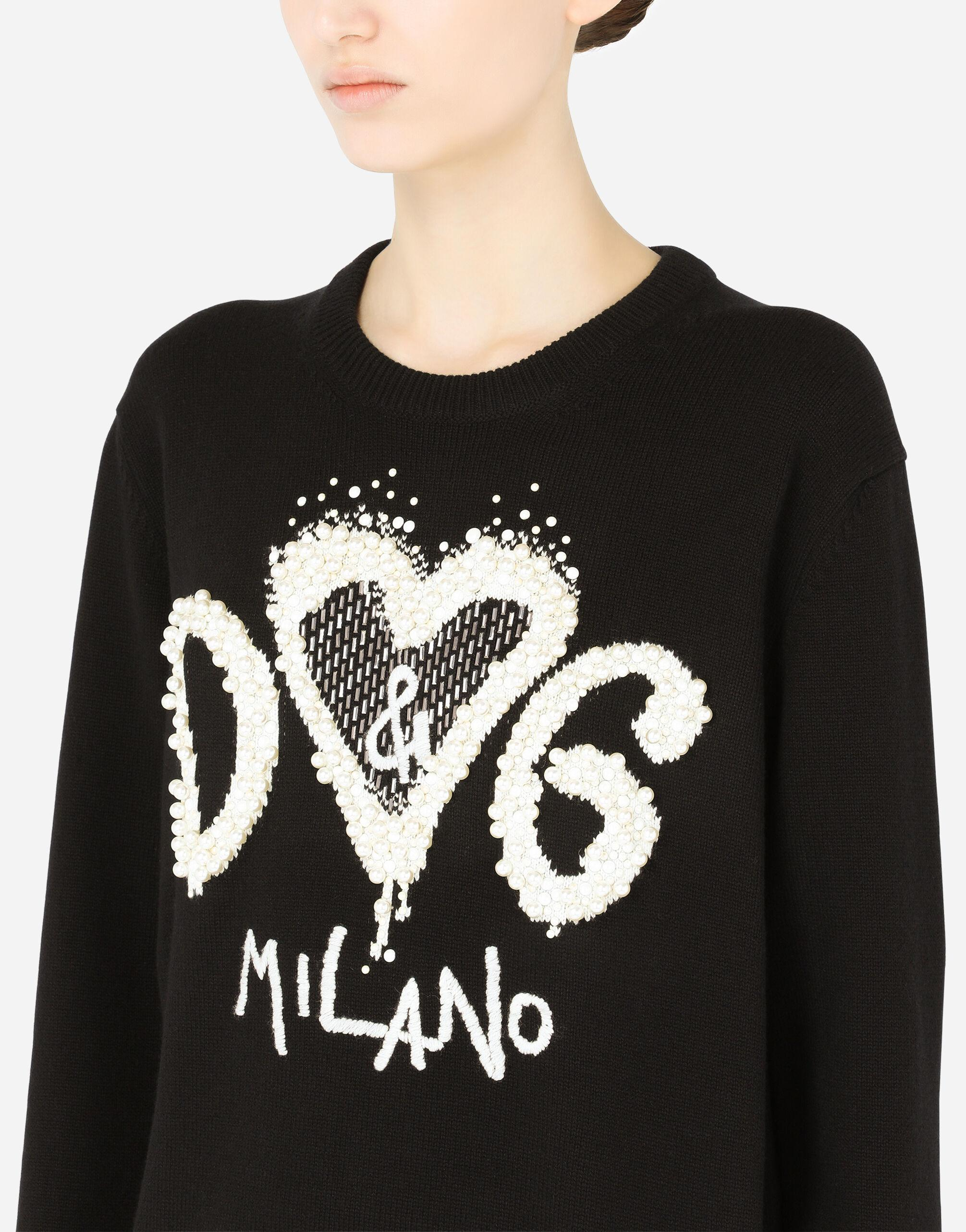 Cashmere sweater with DG heart intarsia and pearl embellishment 3