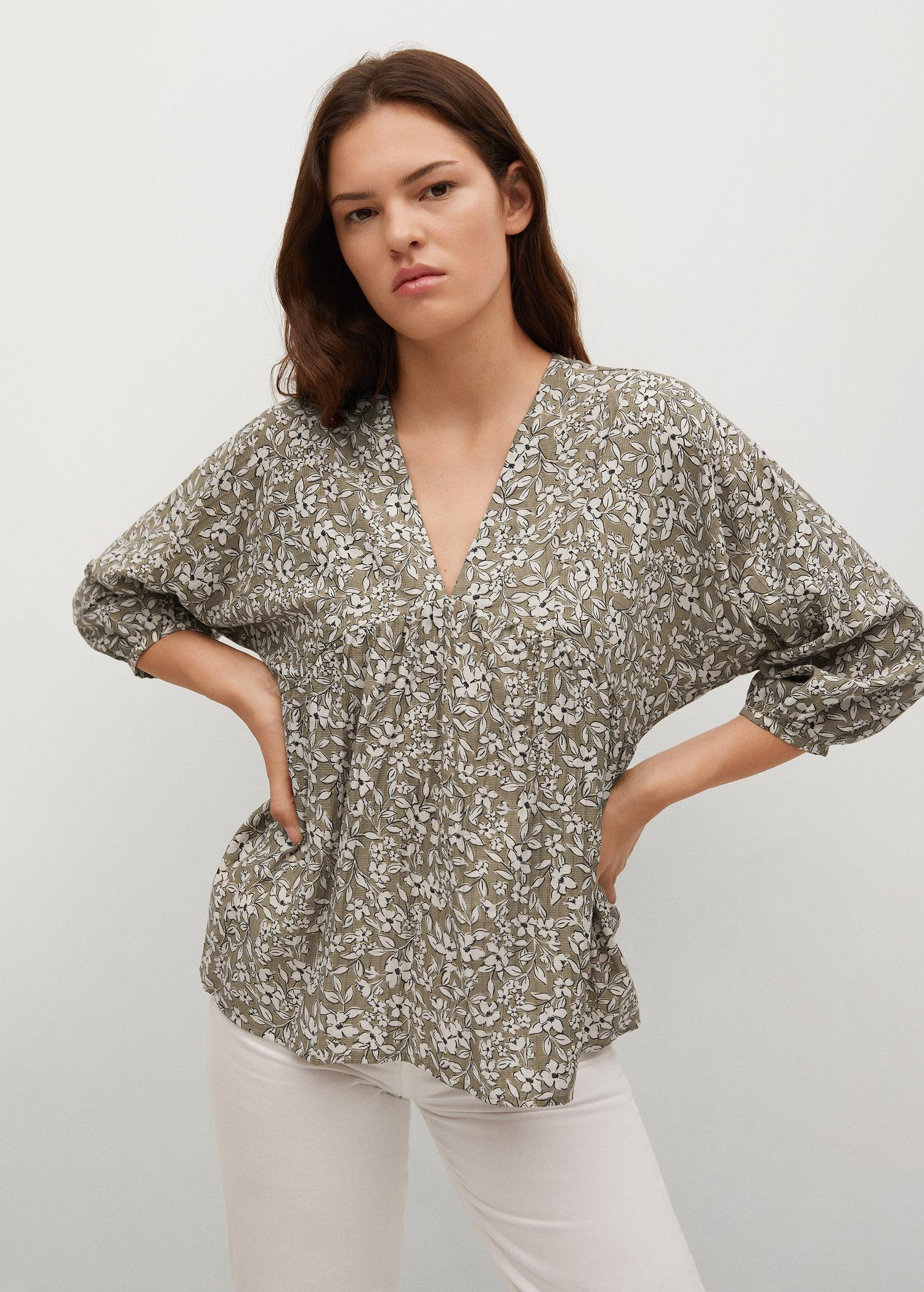 Pleated details blouse