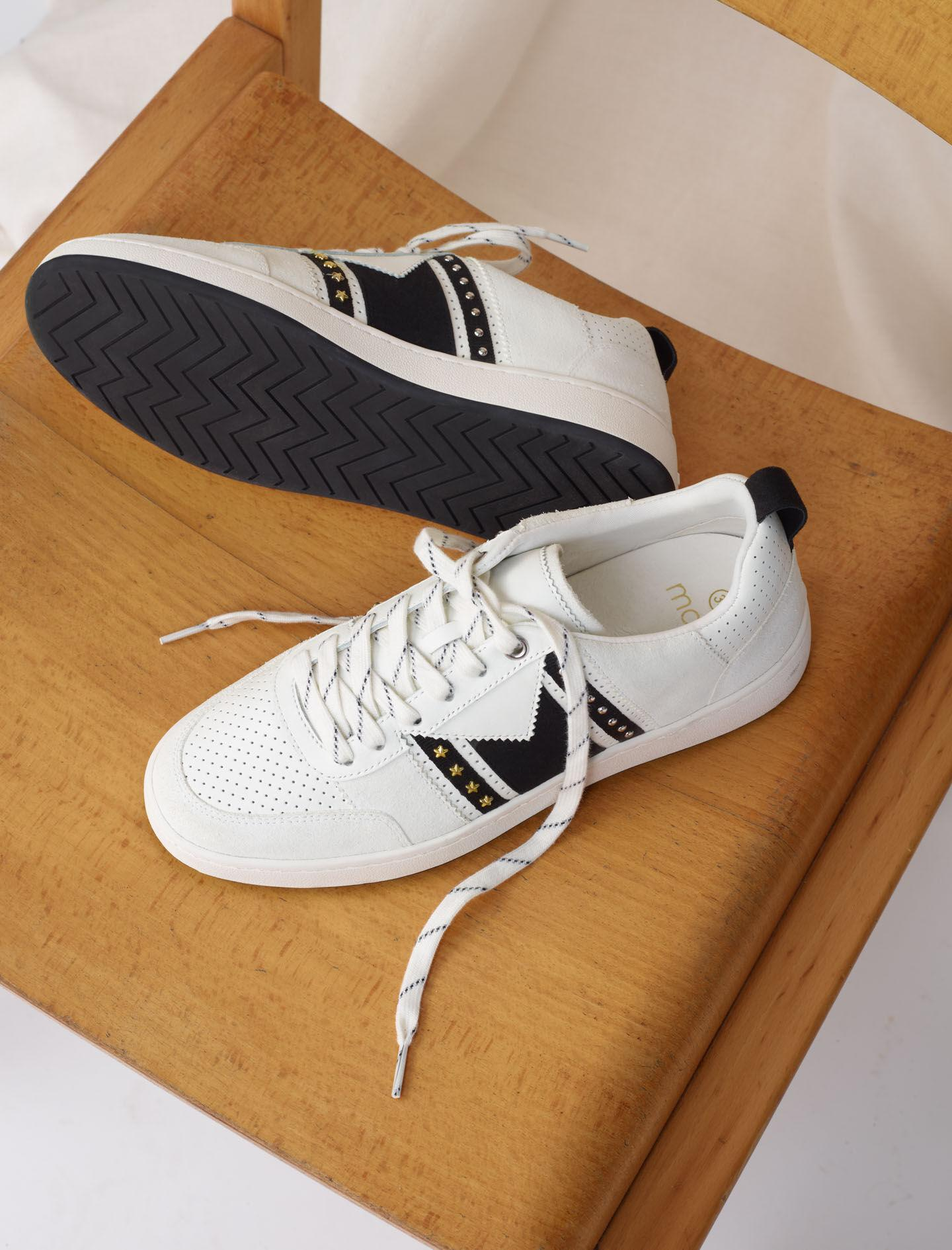 BLACK AND WHITE LEATHER SNEAKERS 3