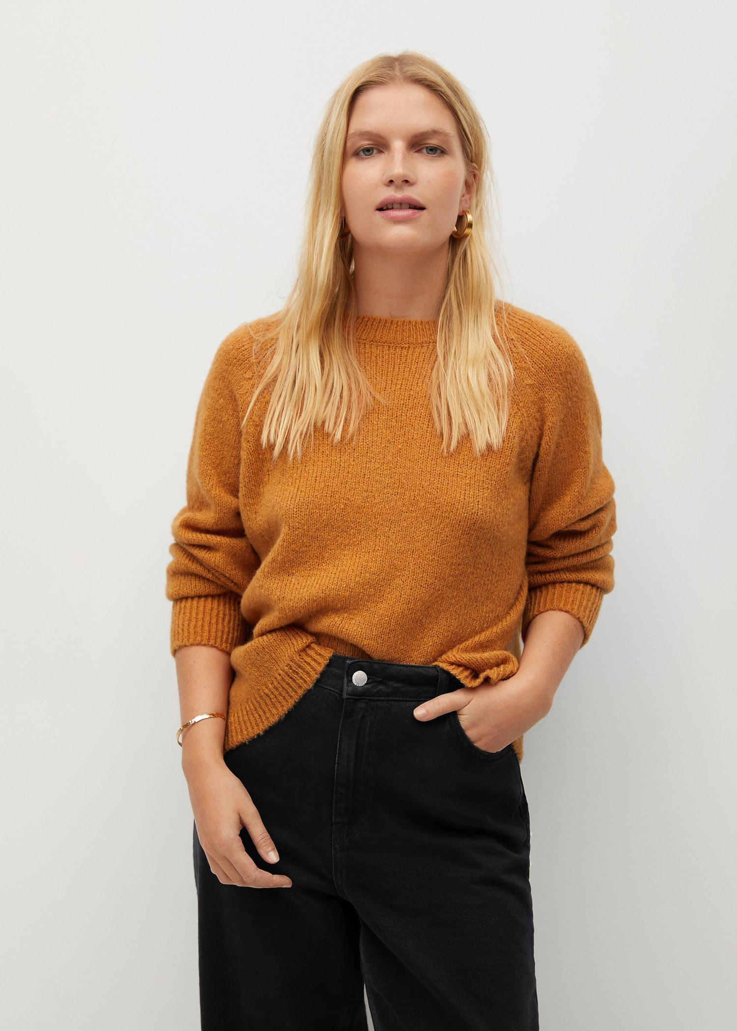 Back bow sweater 1