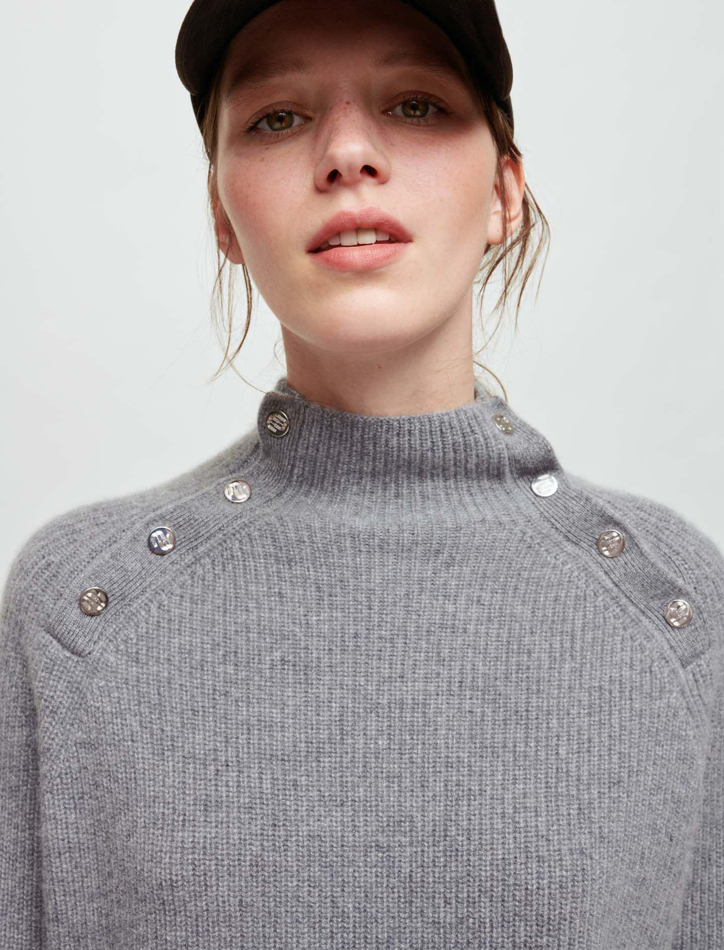 100% CASHMERE SWEATER WITH COLLAR 1