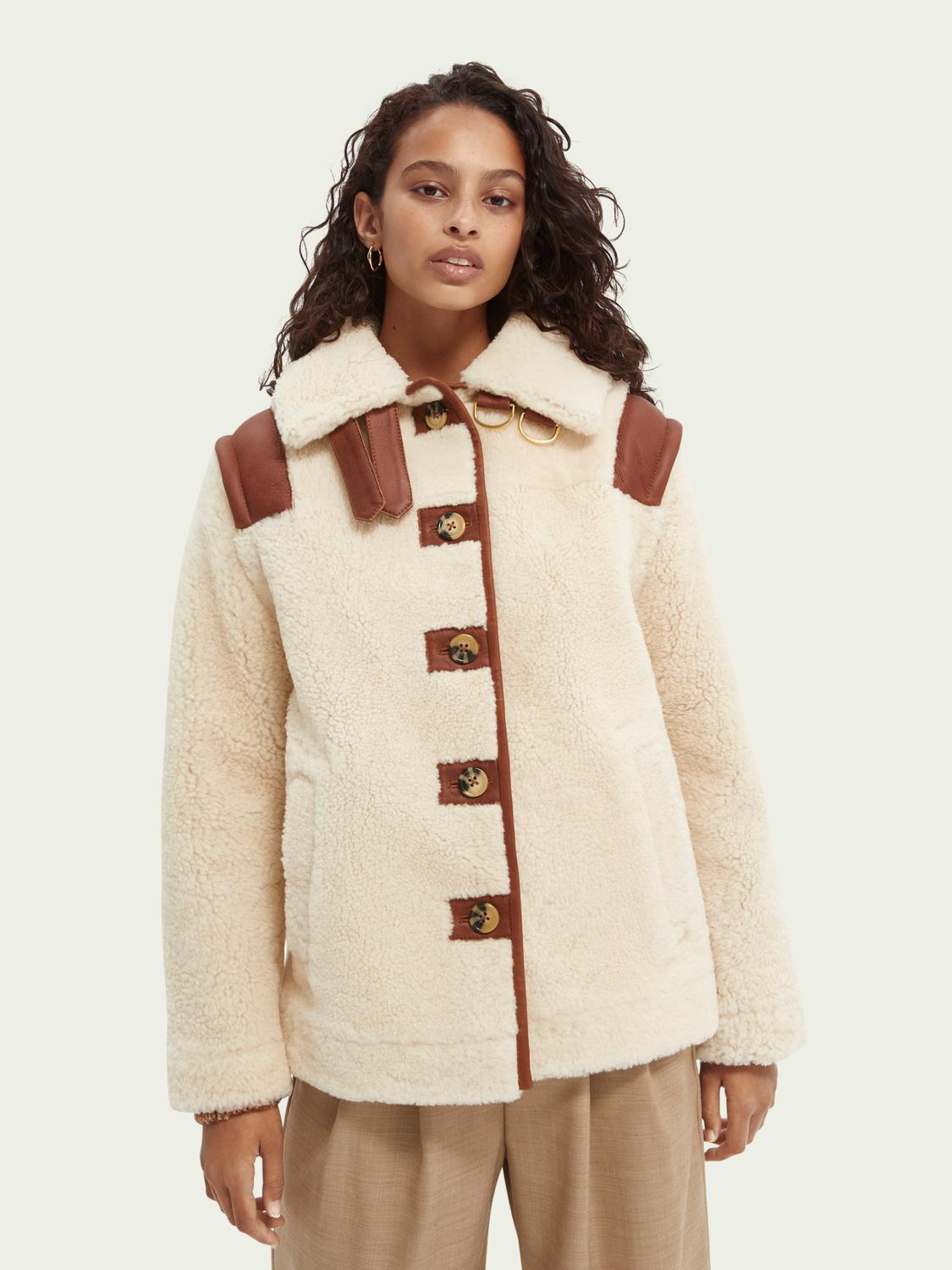Single-breasted shearling jacket with detachable sleeves