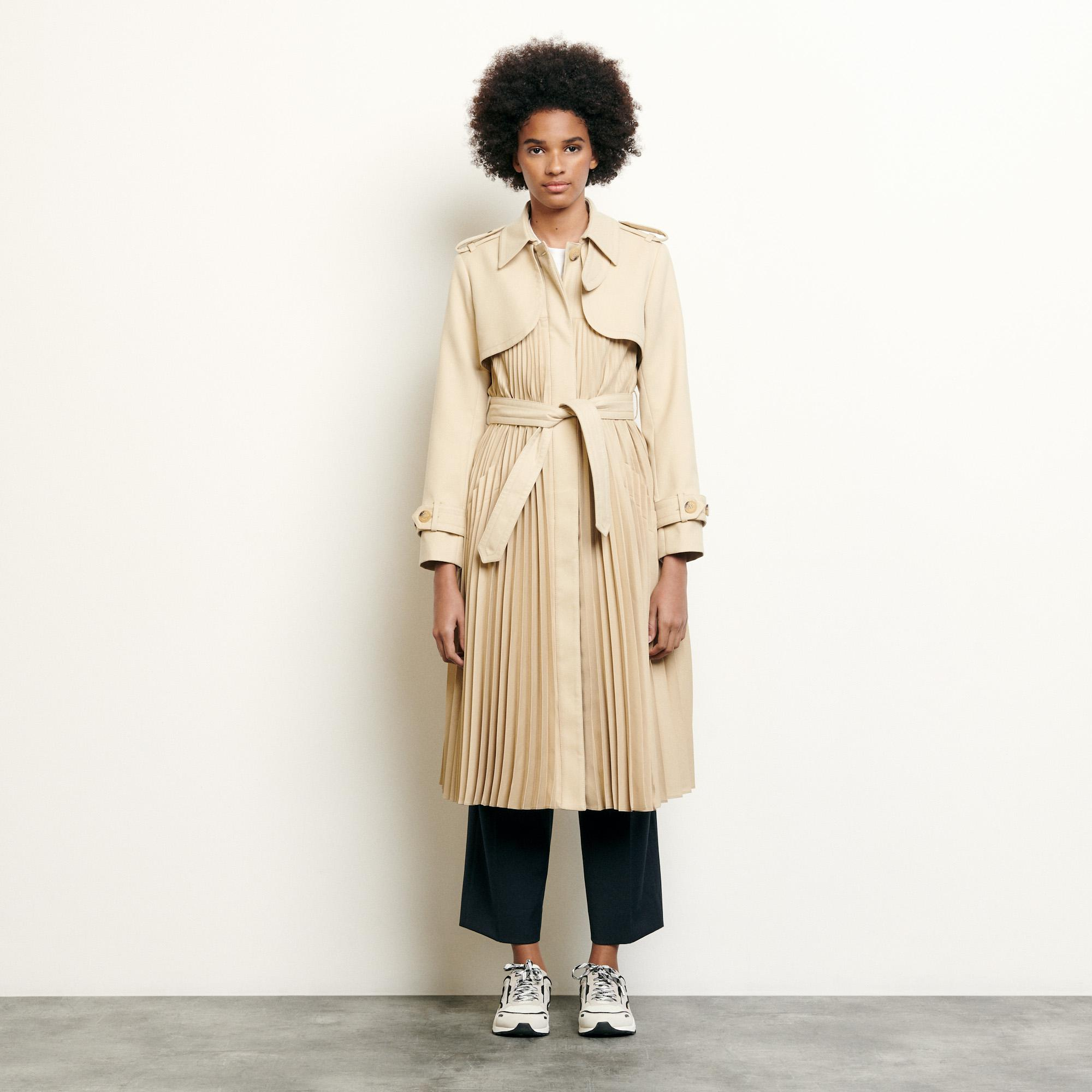 Pleated trench coat with belt 4