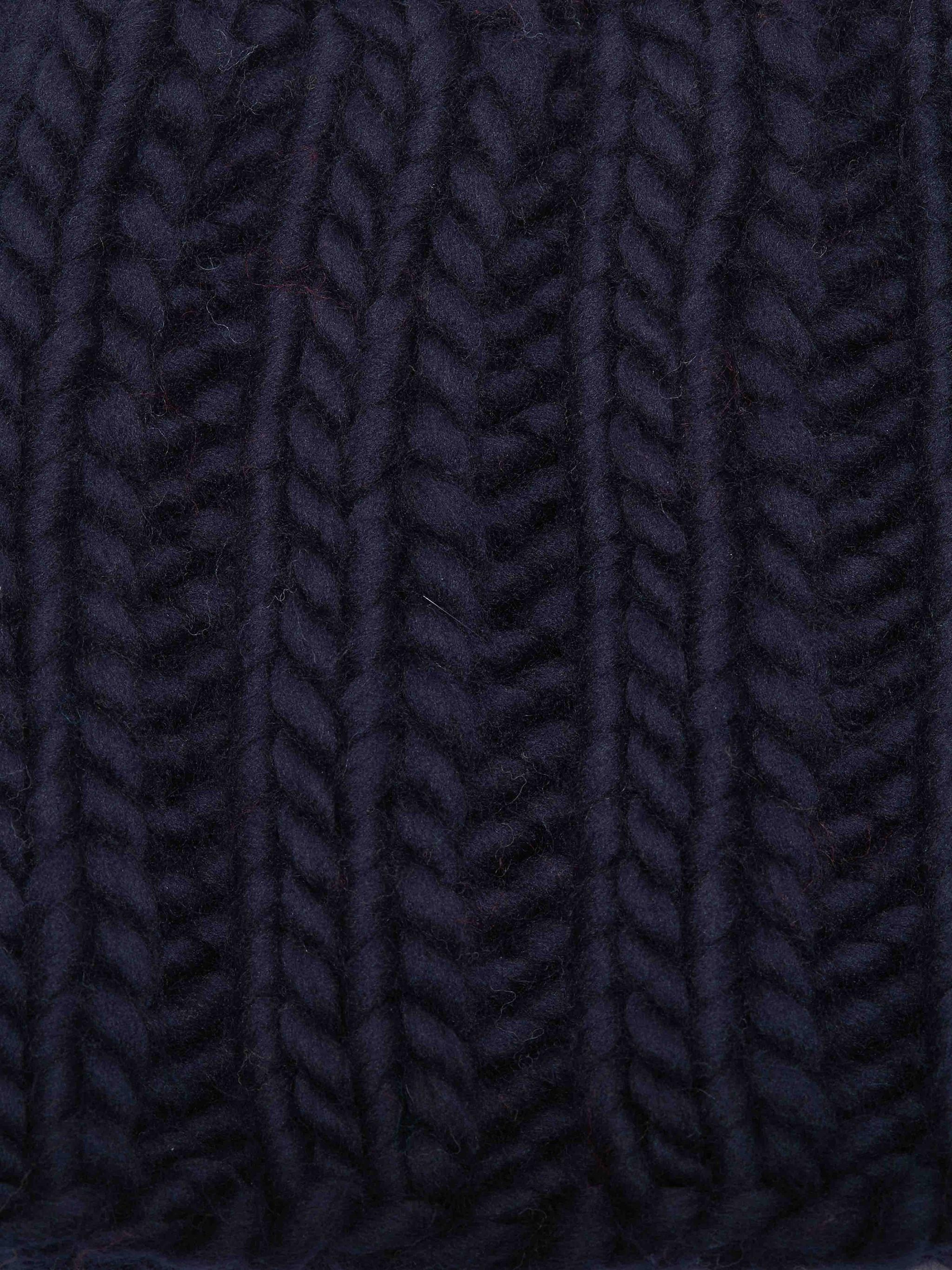 KNITTED SNOOD 2