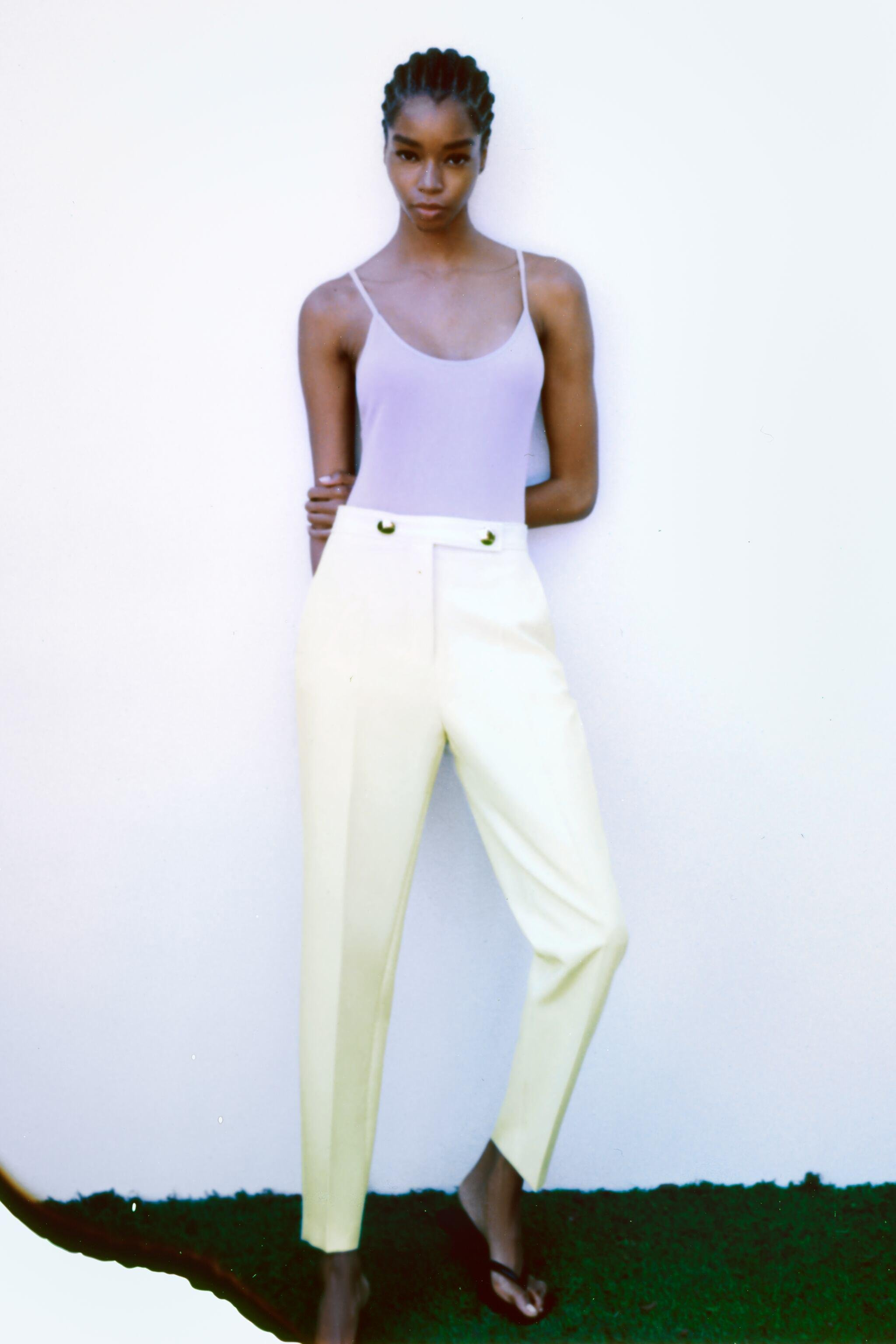 BUTTONED PANTS WITH BELT 3