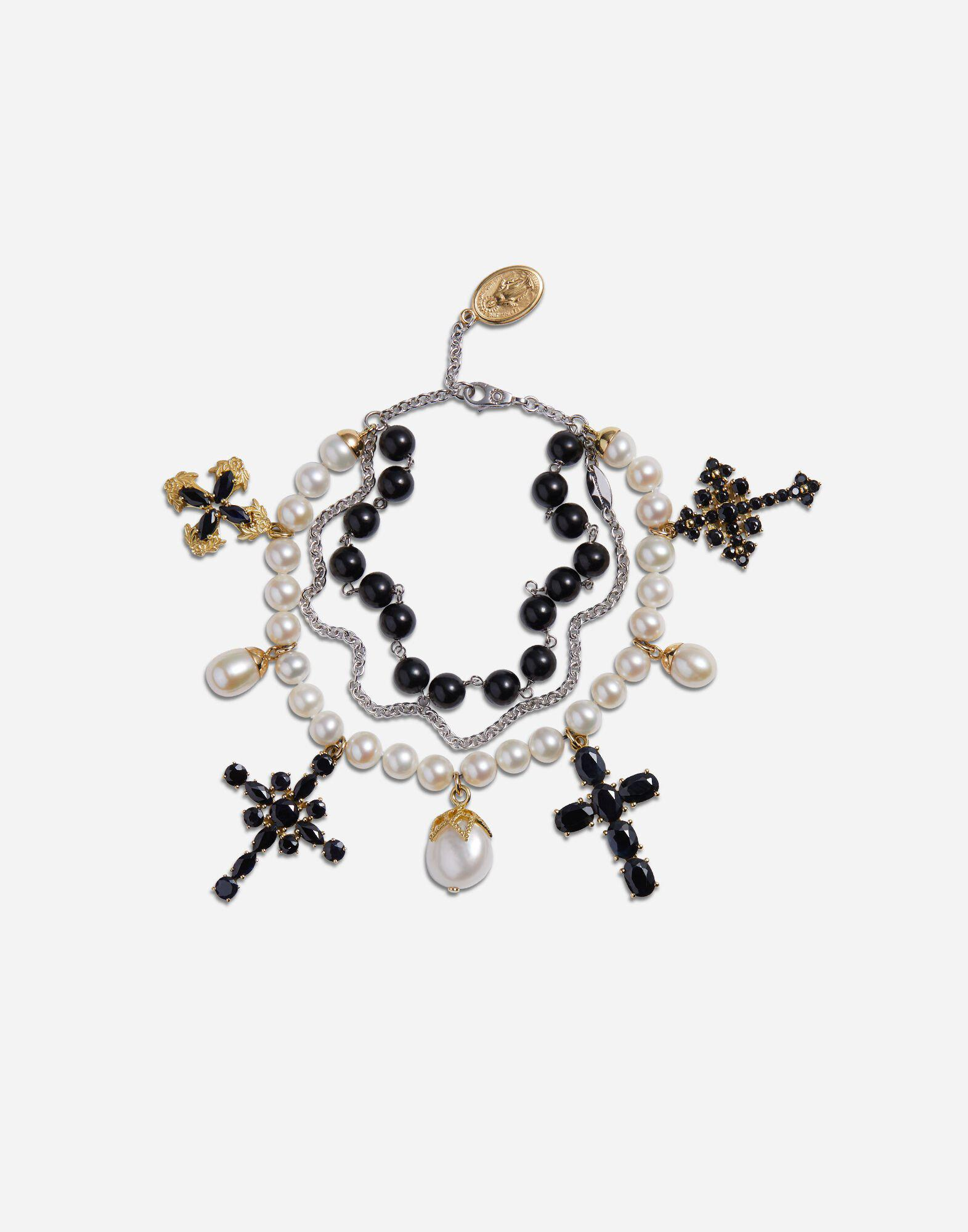 Yellow and white gold family bracelet with cblack sapphire, pearl and black jade beads